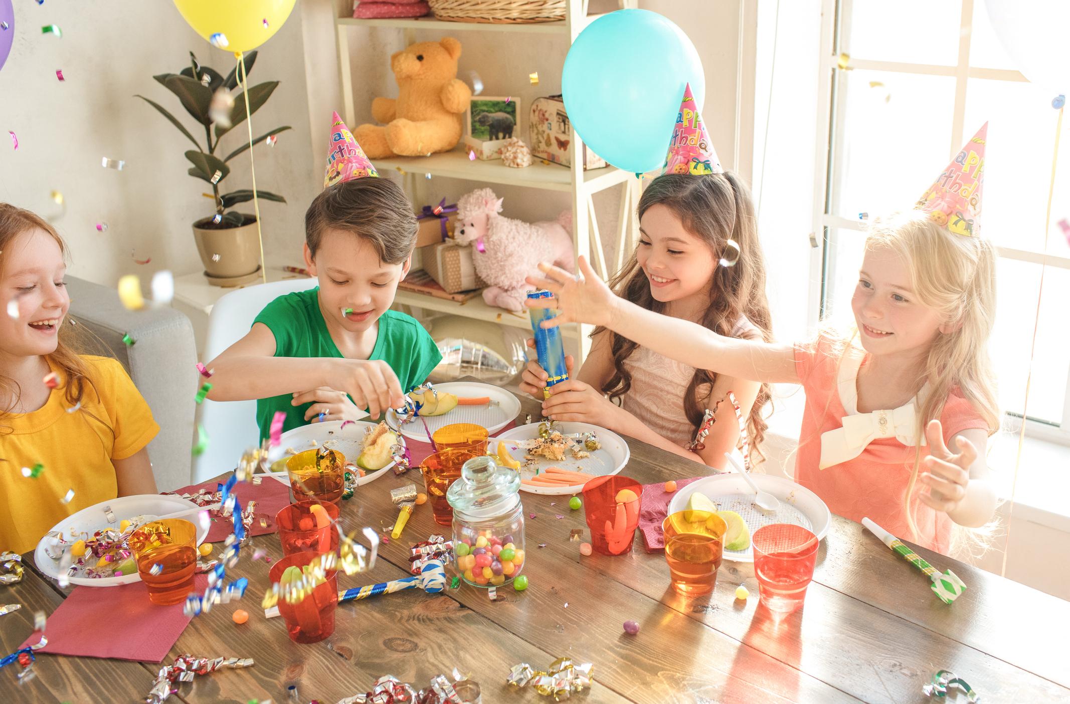 20 Tolle Indoor-Spiele Für Den Kindergeburtstag | Familie.de verwandt mit Lustige Spiele Für Kindergeburtstag