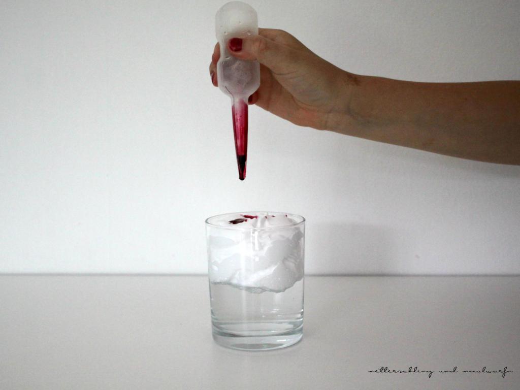 4 Experimente Mit Lebensmittelfarbe 3+ Und 6+ innen Experiment Mit Wasser Öl Und Lebensmittelfarbe