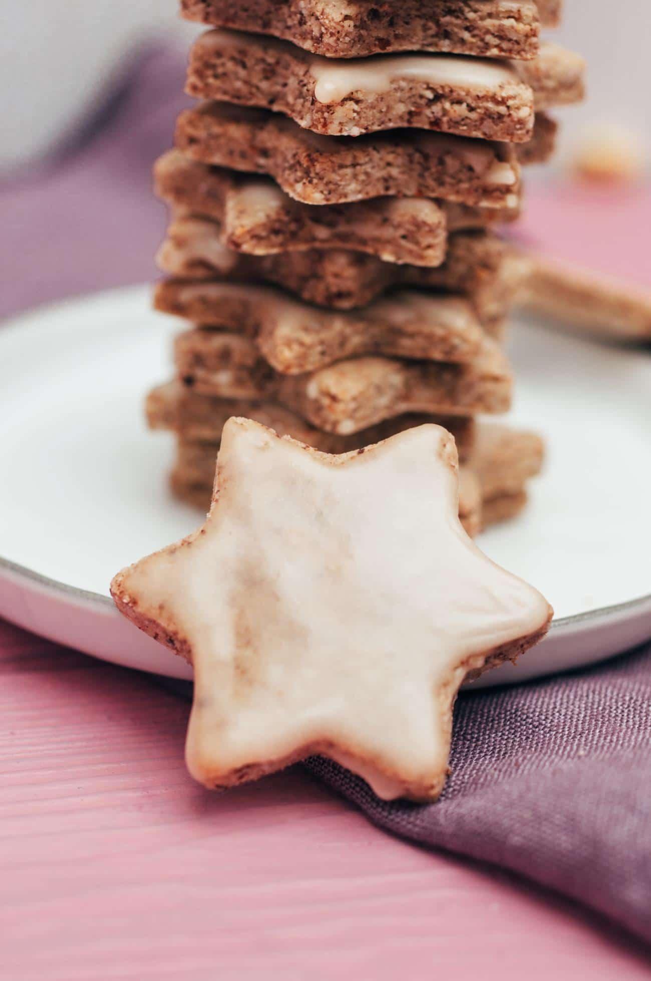 6-Zutaten Zimtsterne (Vegan, Glutenfrei) bei Einfache Rezepte Für Plätzchen Weihnachten