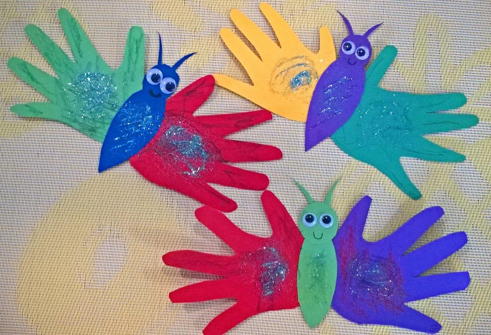 Bastelidee: Hand-Schmetterlinge | Basteln Frühling Kinder in Bastelvorlagen Für Kleinkinder