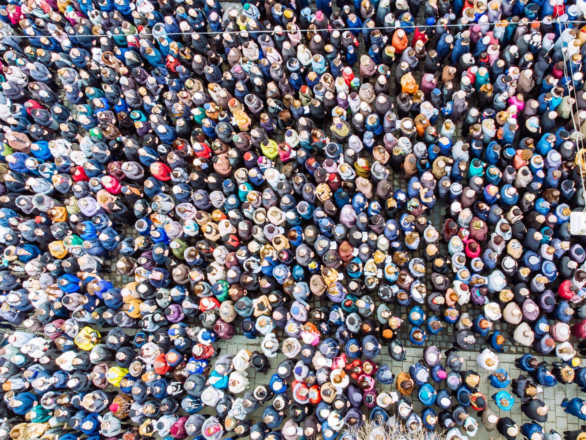 Bevölkerungsentwicklung: So Viele Menschen Leben Jetzt Auf bei Wie Viele Menschen Sind Auf Der Erde