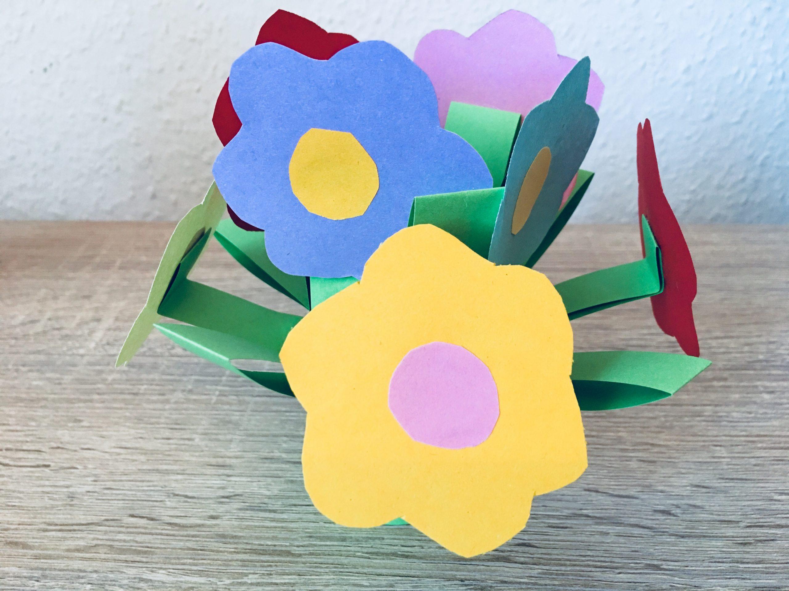 Blumen Aus Papier - Basteln Mit Kindern   Der Familienblog mit Basteln Mit Papier Für Kleinkinder