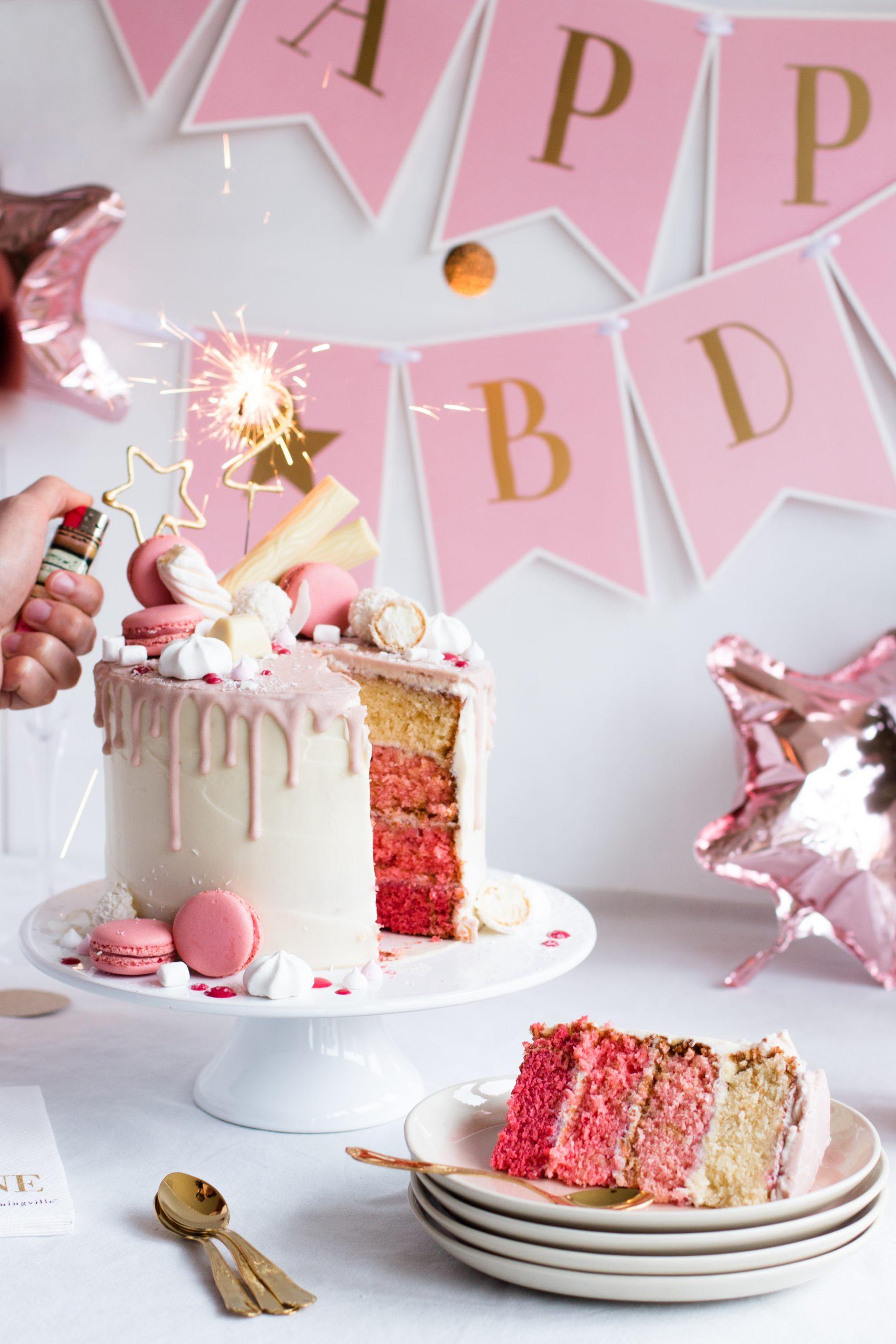 Candy Drip Cake Geburtstagstorte Mit Himbeeren & Kokos in Bilder Geburtstagstorte