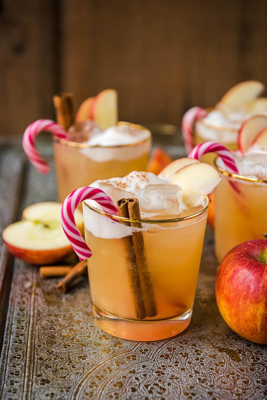 Cold Apple Punch Mit Amaretto & Zimt in Weihnachtlicher Apfelpunsch Ohne Alkohol