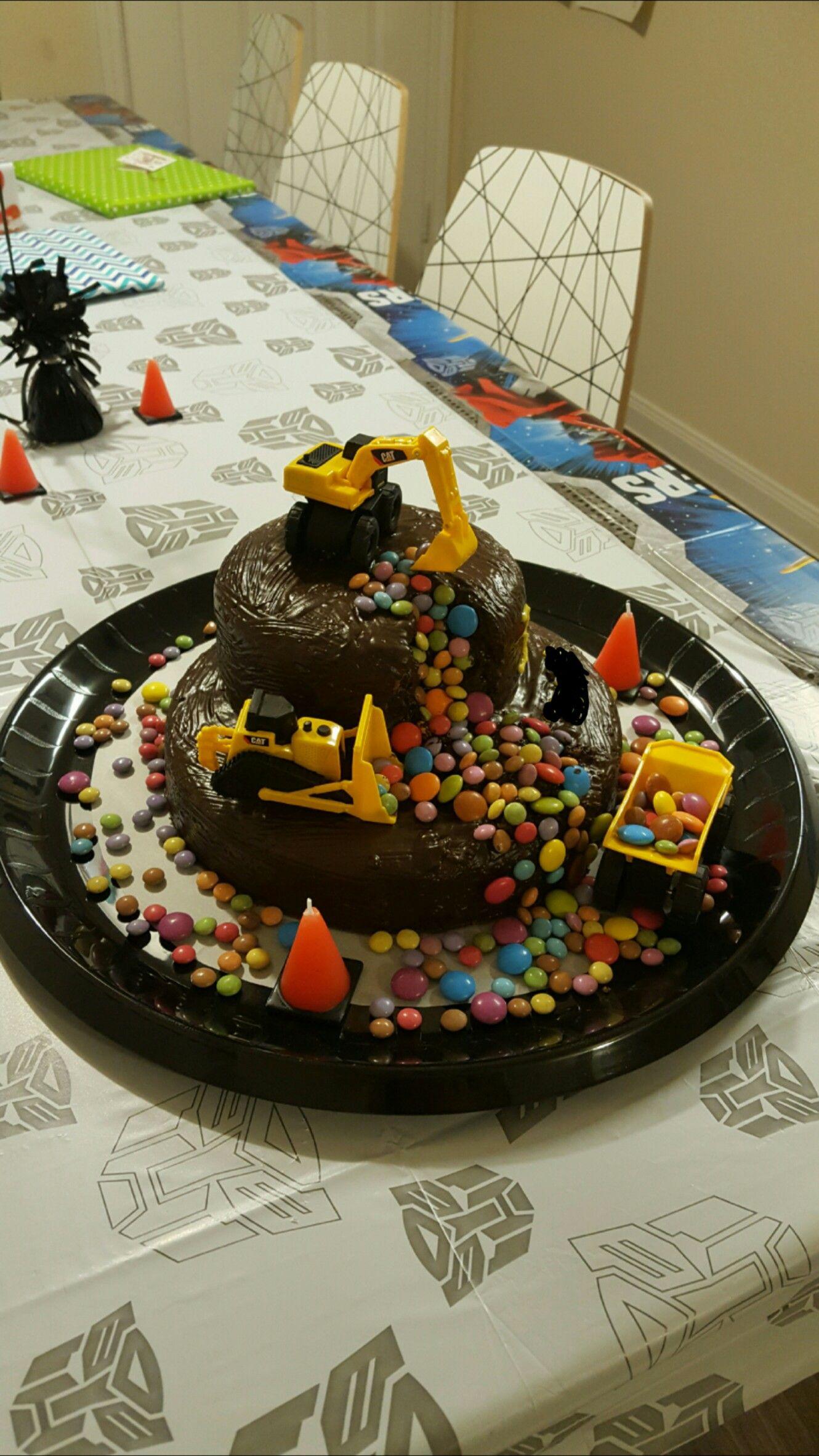 Construction Cake / Bagger Kuchen 2/3 … | Bau Kuchen, Bagger für Geburtstagskuchen 2 Geburtstag
