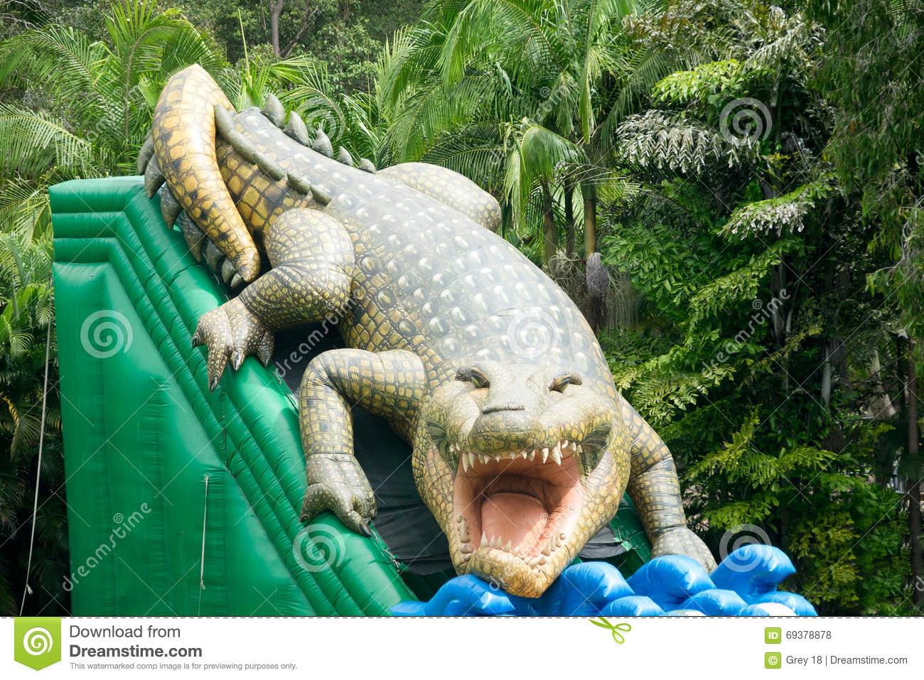 Das Aufblasbare Krokodil Der Kinder Stockfoto - Bild Von ganzes Krokodil Bilder Für Kinder