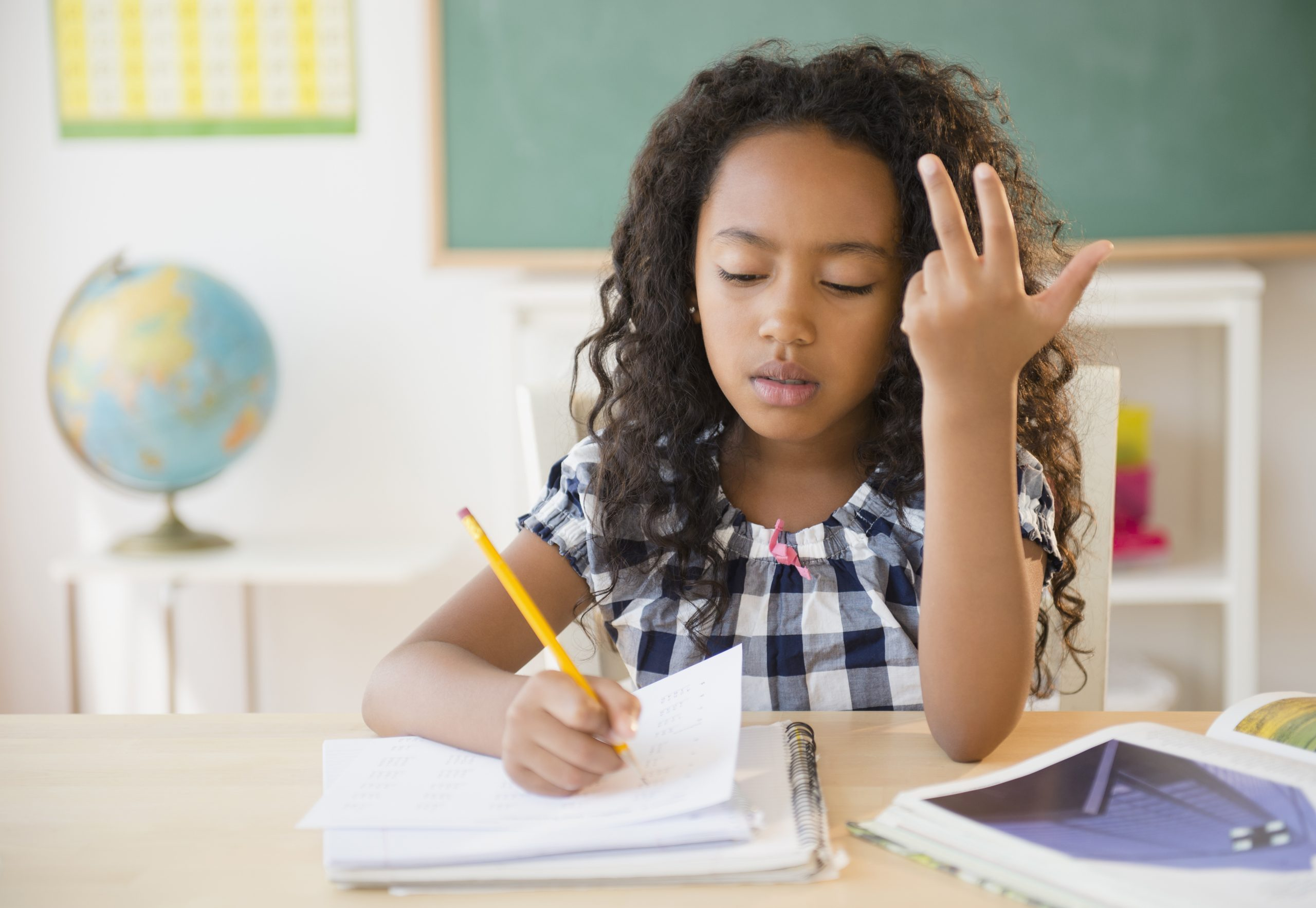Die Beste Zeit Für Die Hausaufgaben für Kind Konzentriert Sich Nicht In Der Schule