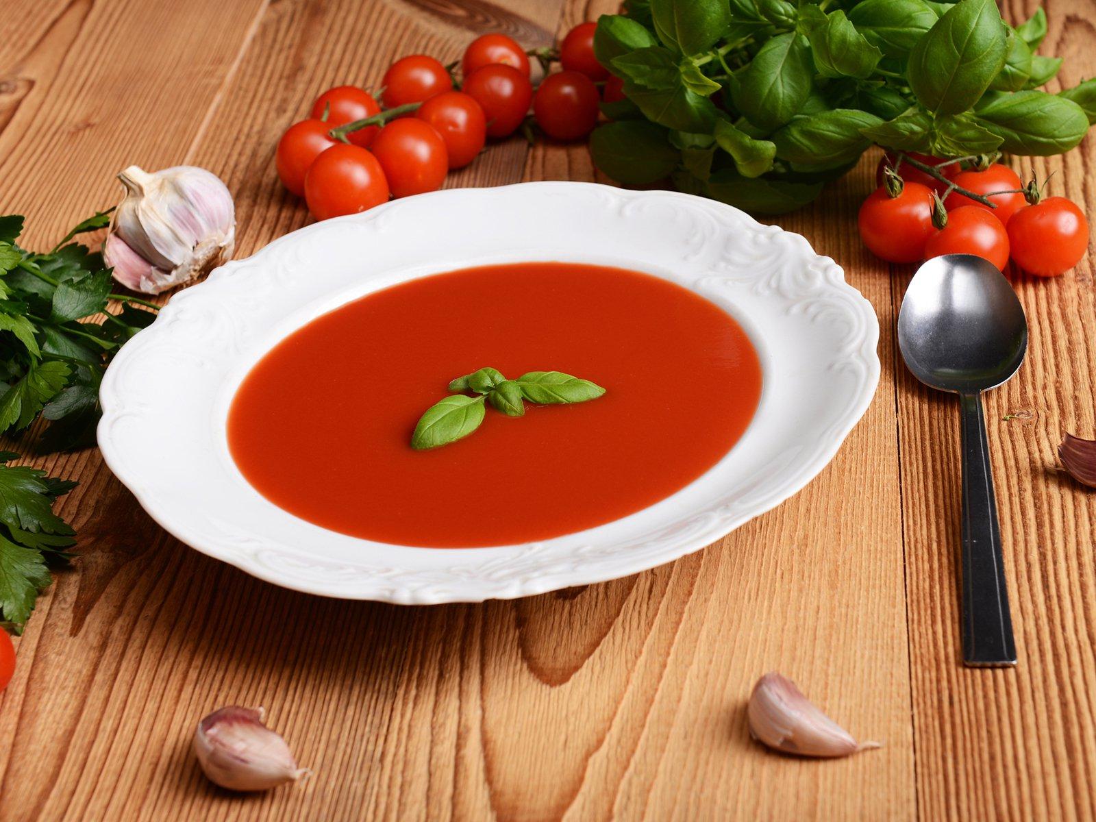 Einfache Tomatensuppe in Tomatensuppe Aus Passierten Tomaten