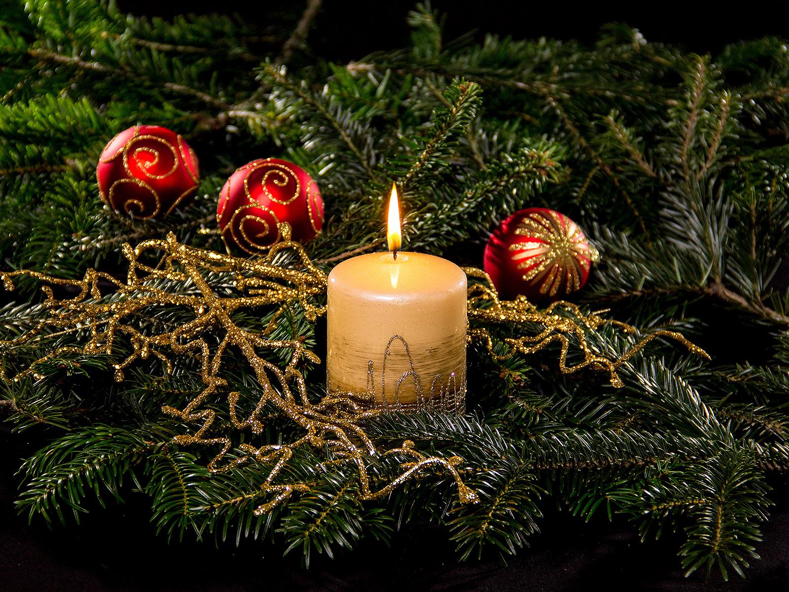 Frohe Weihnachten – Hintergrundbilder Kostenlos verwandt mit Adventsbilder Kostenlos Herunterladen