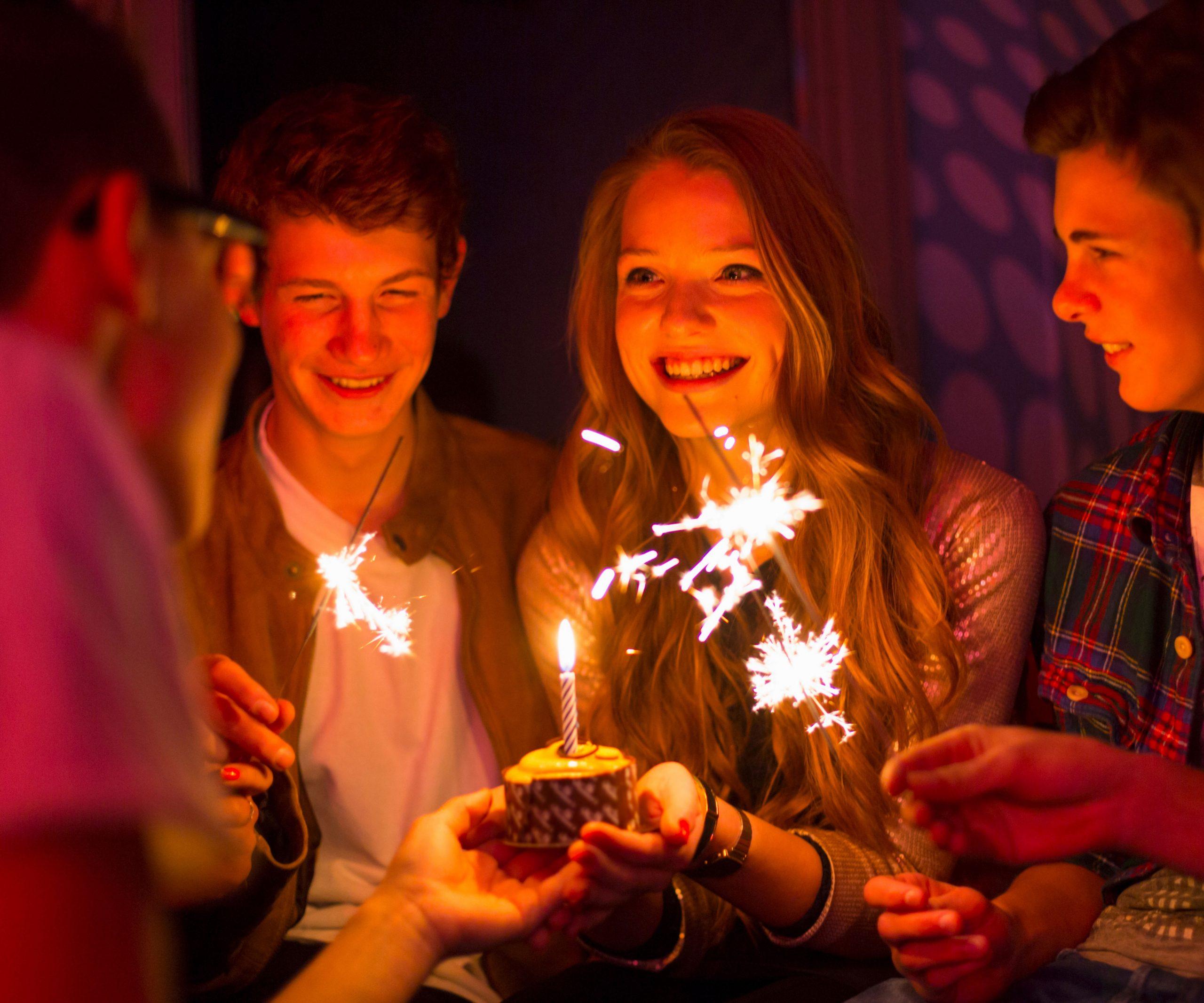 Geburtstagsparty-Tipps Für Jugendliche | Famigros bestimmt für Kindergeburtstag Ideen Für 13 Jährige