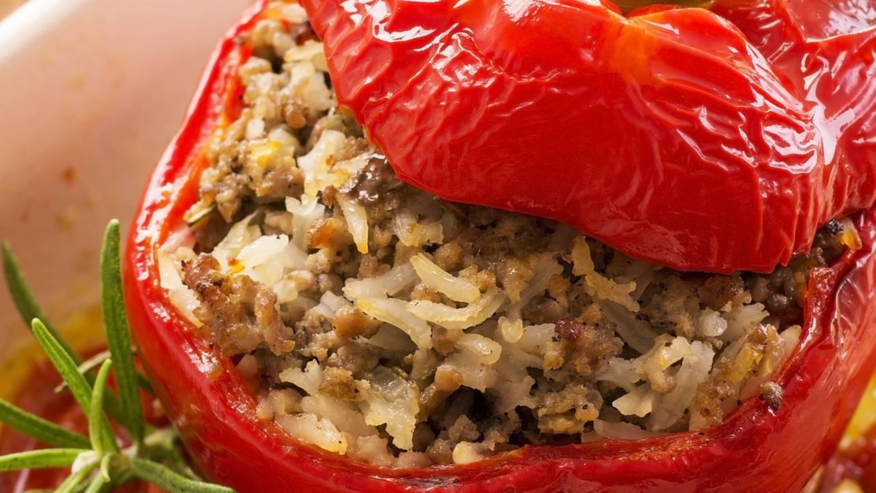 Gefüllte Paprika Mit Hackfleisch für Gefüllte Paprika Mit Hackfleisch Einfach