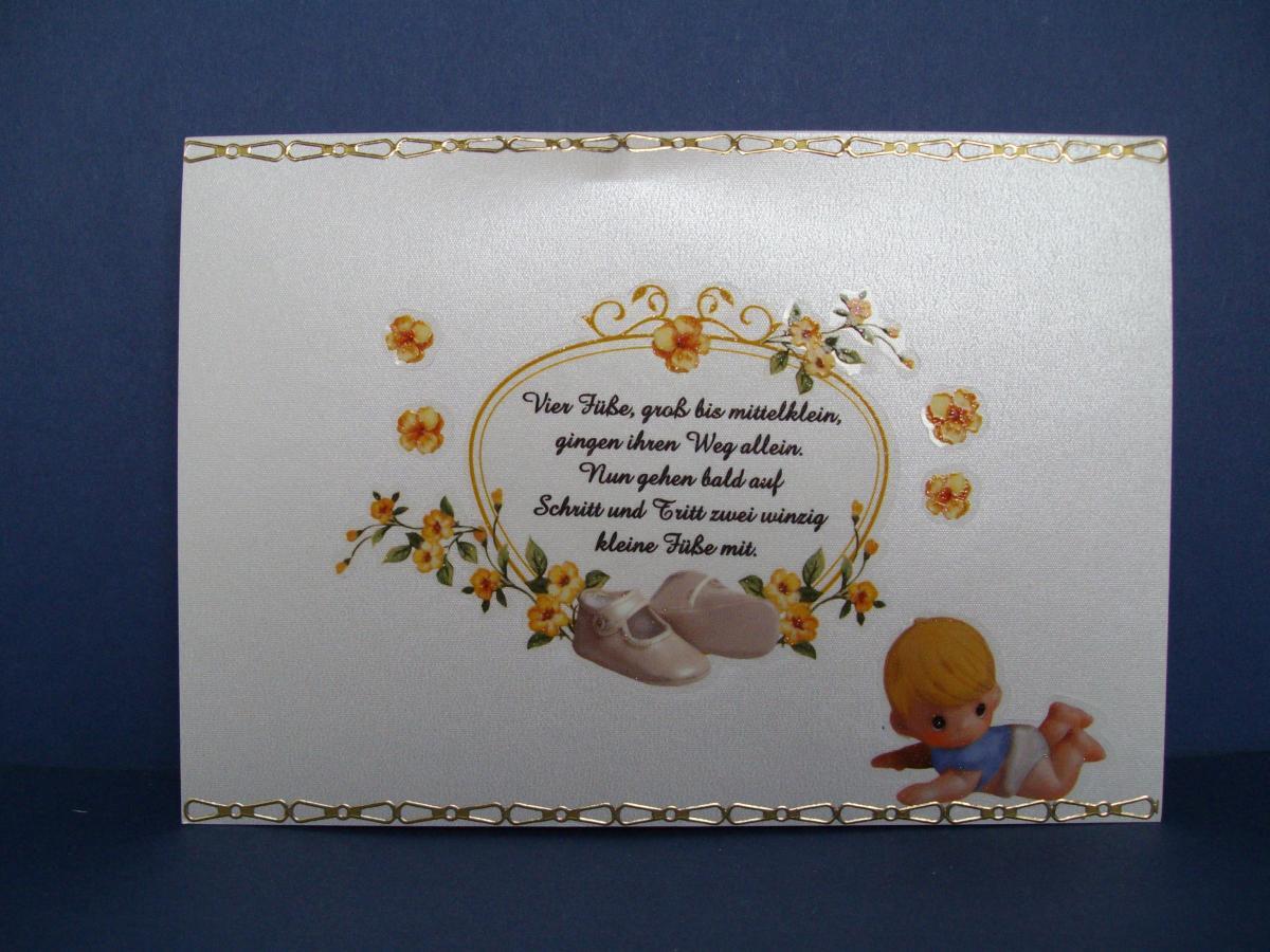 Glückwunschkarte Zur Geburt über Gehen Auf Schritt Und Tritt Zwei Winzig Kleine Füße Mit