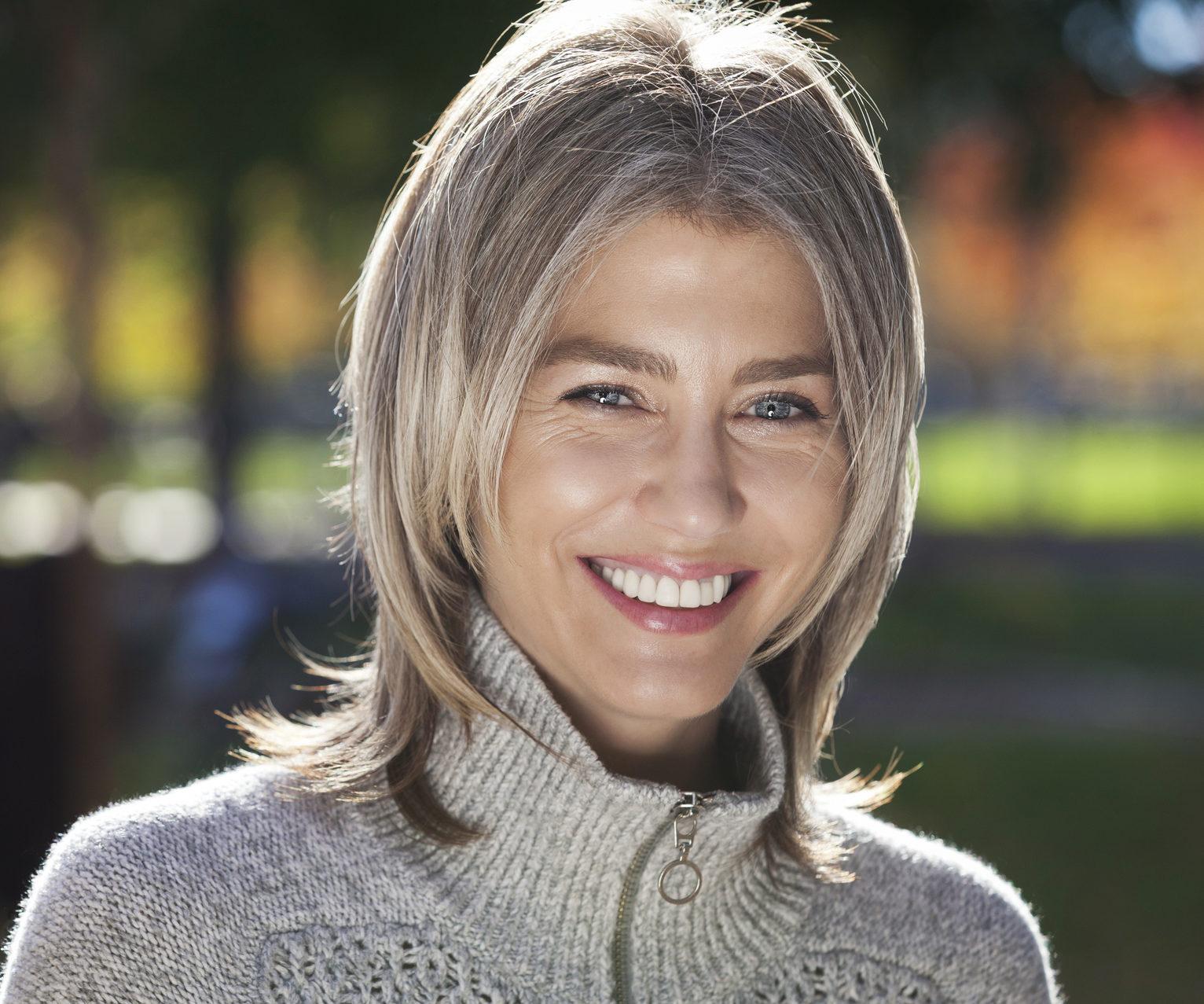Graue Haare Natürlich Färben: Mit Diesen Tricks Gelingt's mit Haare Färben Wie Das Grau Verschwindet