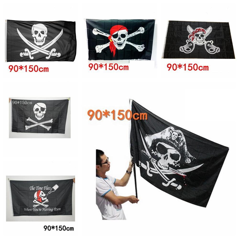 Großhandel 90X150Cm Große Schwarze Piratenflagge Piratenflaggen Halloween  Requisiten Schädel Gekreuzte Knochen Schwerter Schwarze Flaggen Spukhaus  Bar für Piratenflaggen