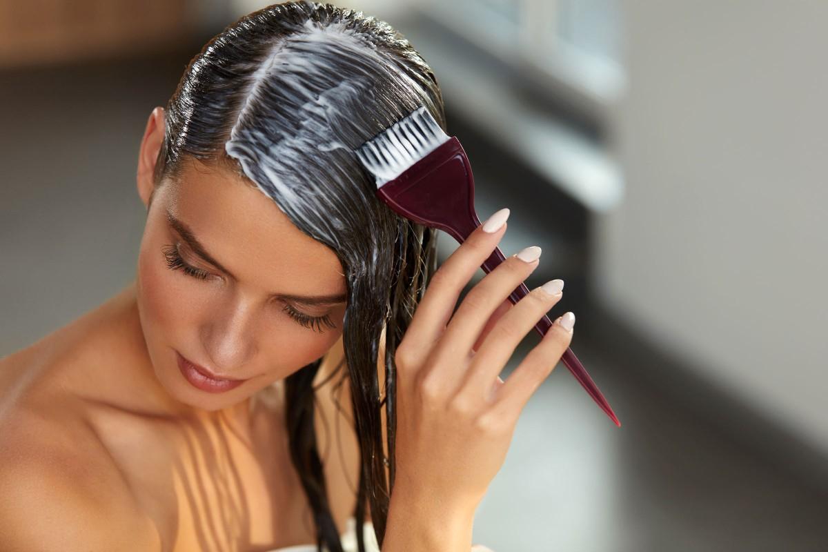 Haare Färben Ohne Chemie: Hausmittel Aus Der Natur in Haare Färben Wie Das Grau Verschwindet