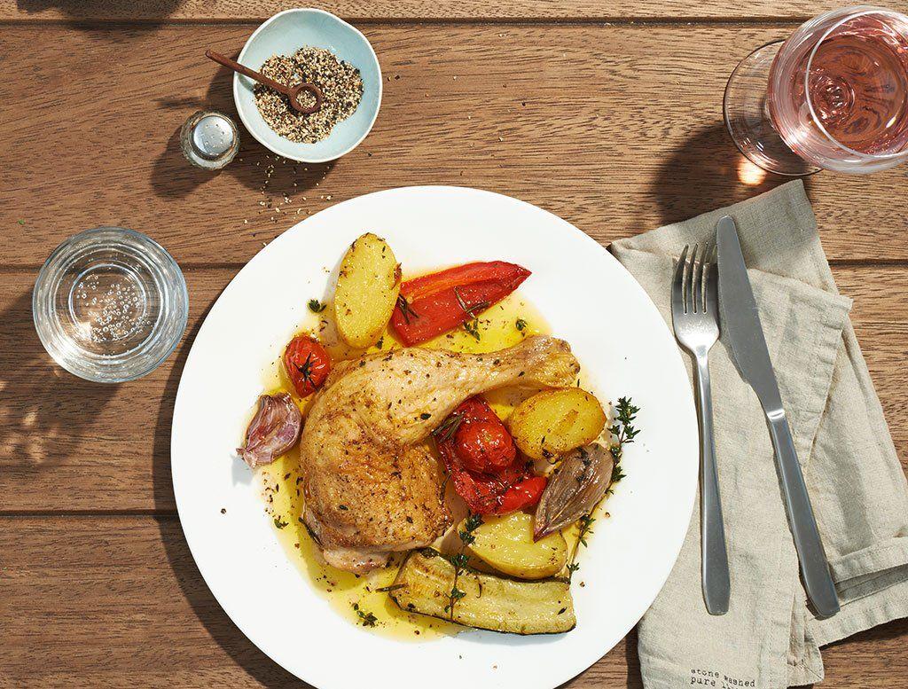 Hähnchenkeule Mit Gemüse Vom Blech mit Essen Und Trinken Gemüse