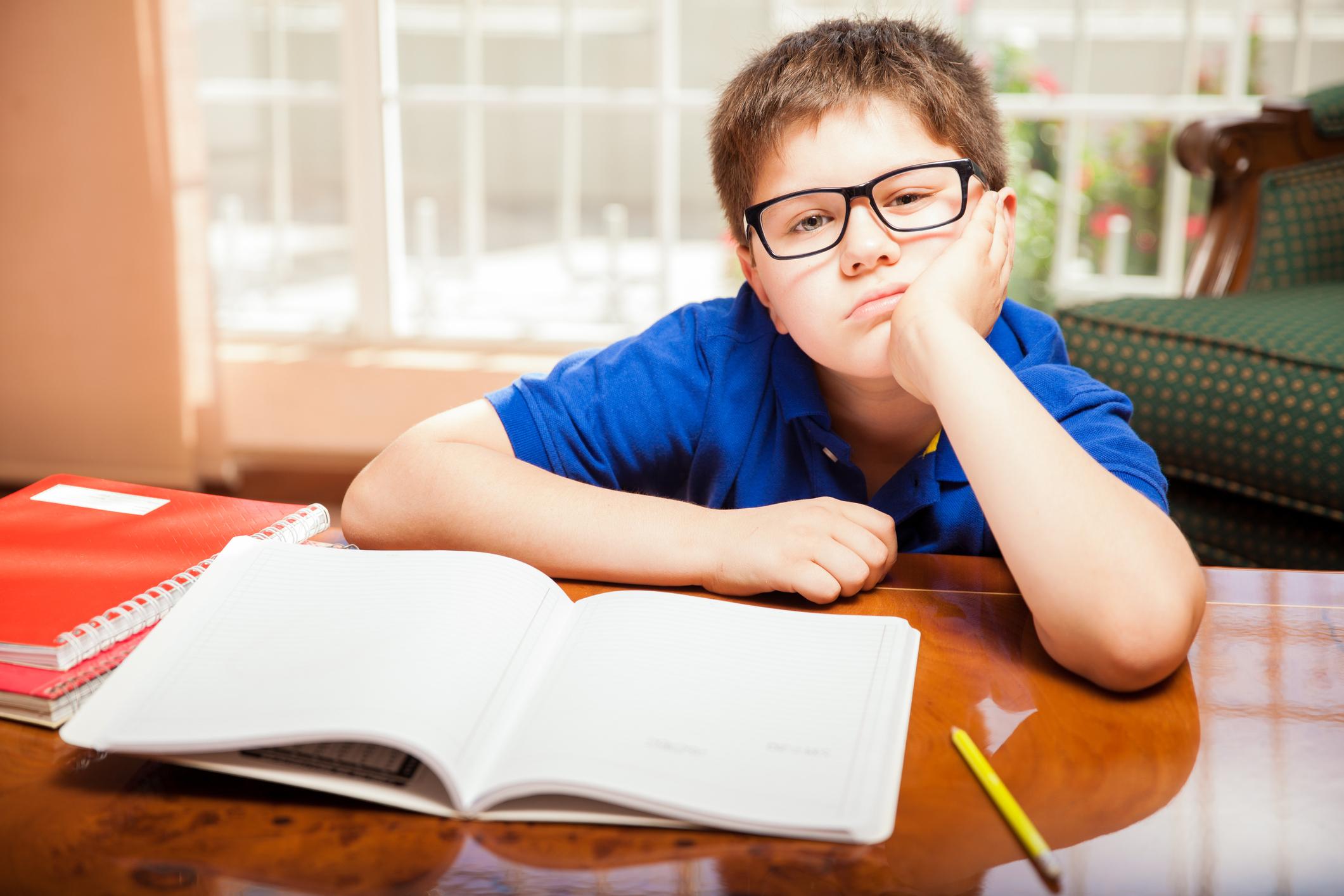 Hausaufgaben Im Nu Erledigen? 5 Tipps, Die Dir Dabei Helfen! für Kind Konzentriert Sich Nicht In Der Schule