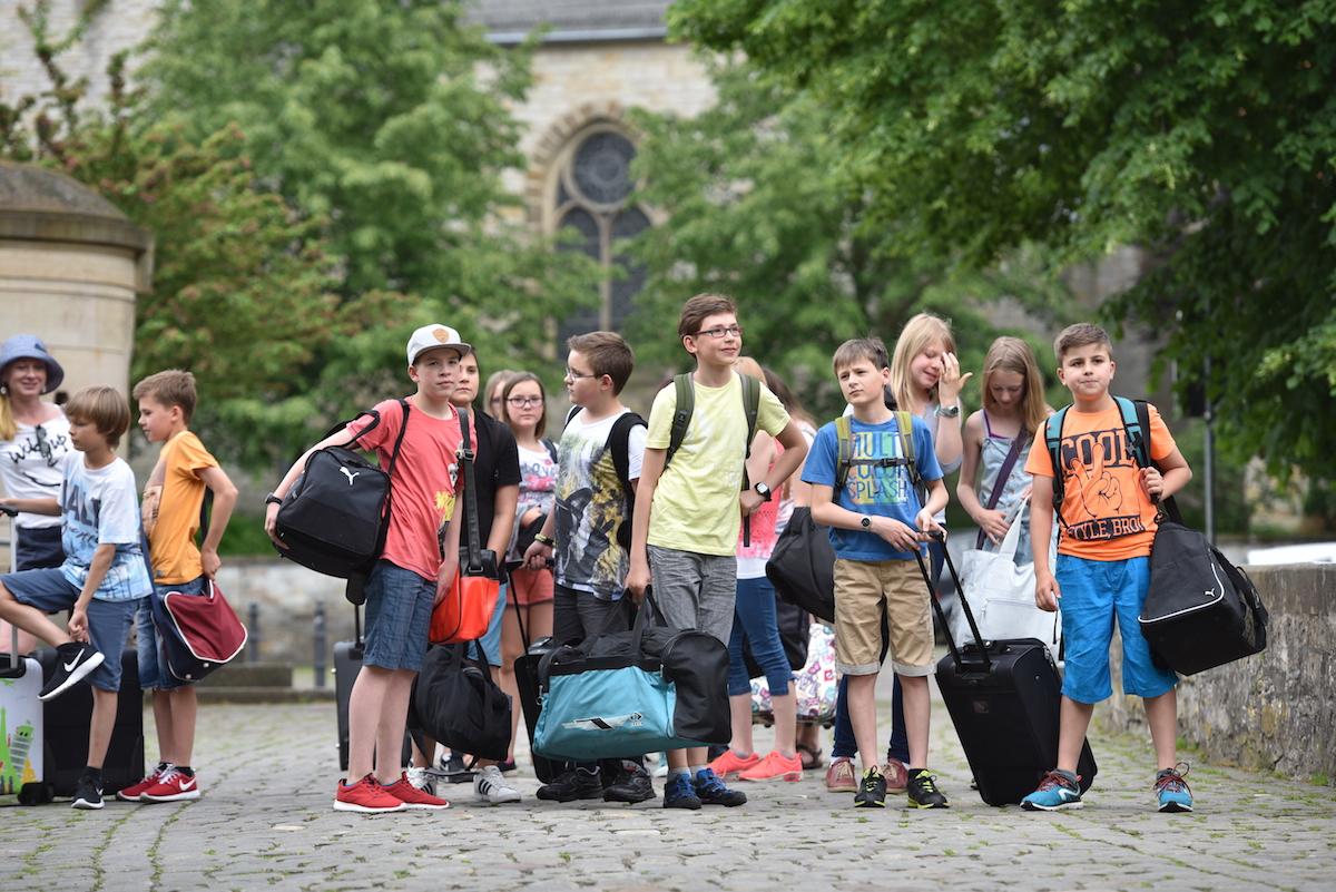 Heimweh Auf Klassenfahrt: So Reagieren Eltern & Lehrer Richtig bei Was Tun Gegen Heimweh Auf Klassenfahrt