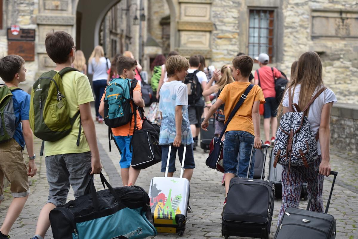 Heimweh Auf Klassenfahrt: So Reagieren Eltern & Lehrer Richtig in Was Tun Gegen Heimweh Auf Klassenfahrt
