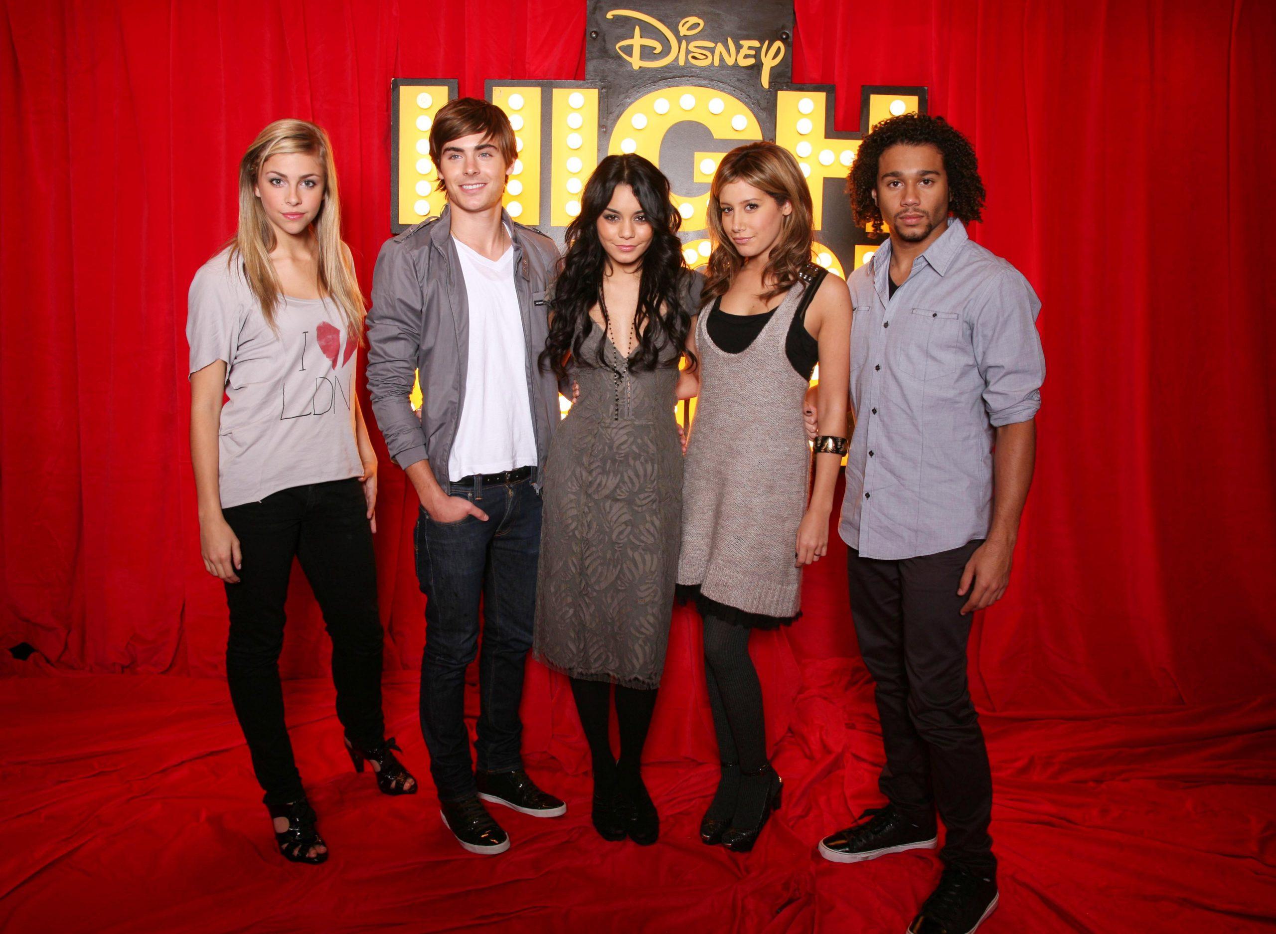 High School Musical 3' Dances Away With Box Office Again verwandt mit High School Musical Senior Year Online