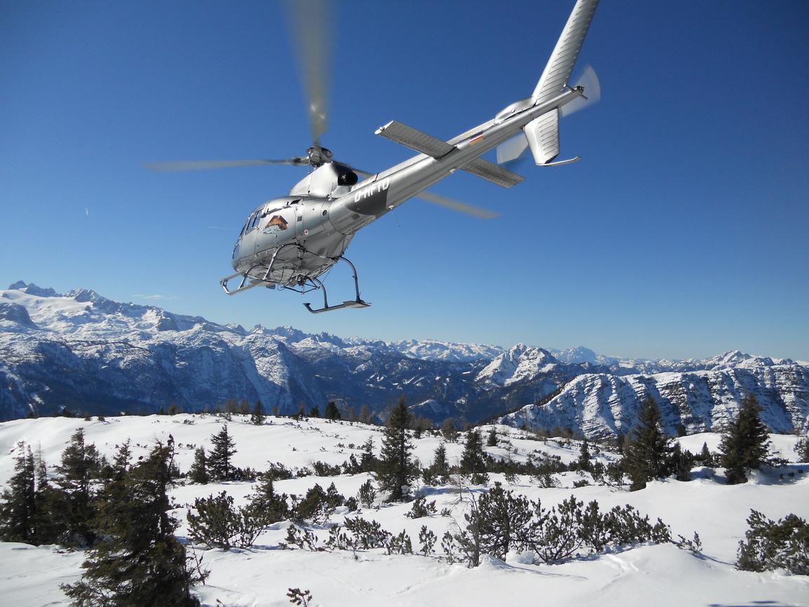 Hubschrauber Rundflug Salzkammergut 30 Min - Salzburg Adventures bestimmt für Hubschrauber Rundflug Salzburg