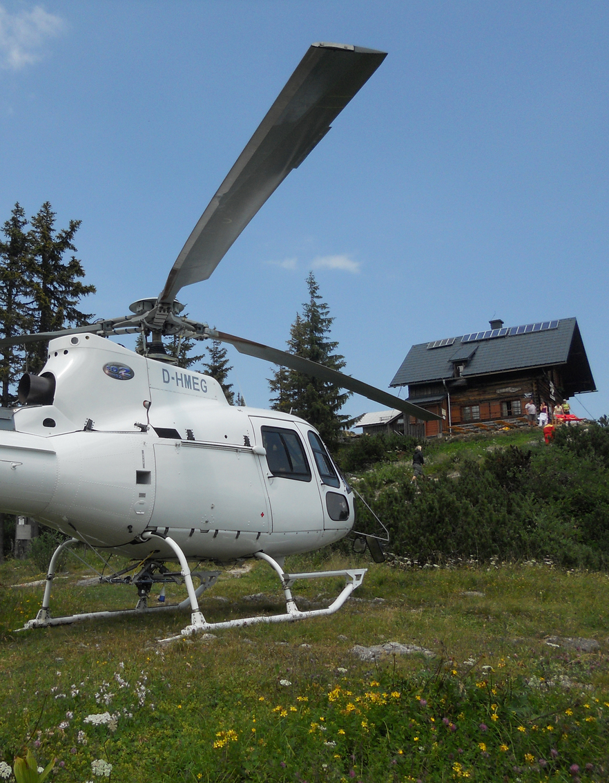 Hubschrauber Rundflug Salzkammergut 30 Min - Salzburg Adventures innen Hubschrauber Rundflug Salzburg