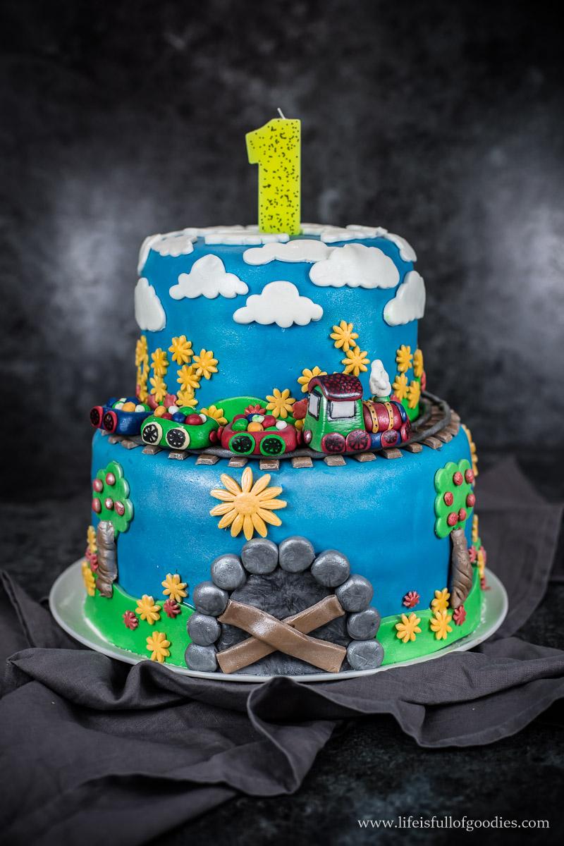 Karottenkuchen in Torte Für Geburtstag