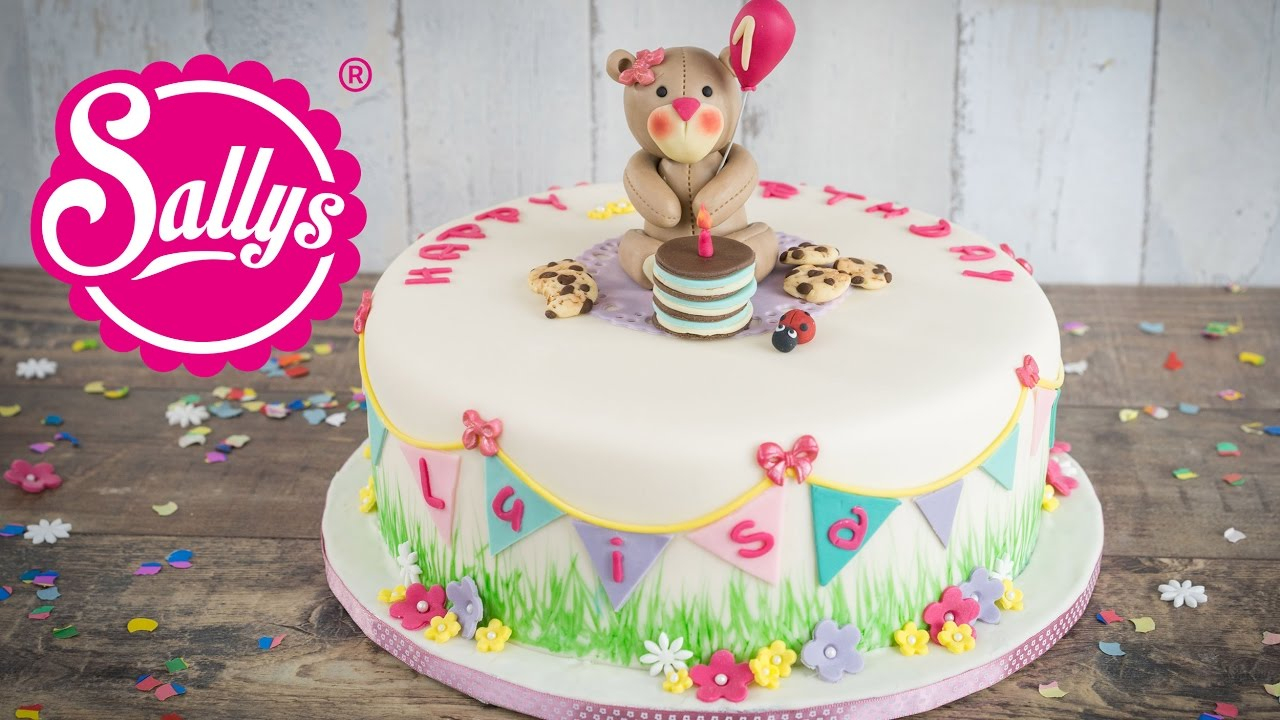 Kinder Geburtstagstorte Mit Teddy / Fruchtige Vanilletorte / Torte Für  Luisa / Sallys Welt verwandt mit Geburtstagstorte Für Kinder