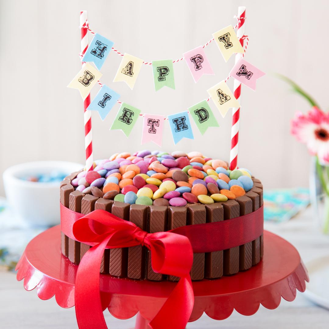 Kitkat-Torte: Kinderleichter Und Kunterbunter Geburtstagskuchen in Geburtstagstorten Bilder