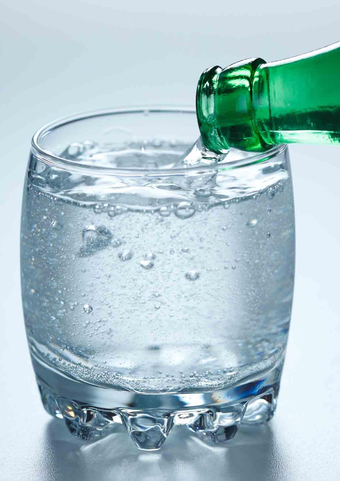 Kohlensäure - Was Blubbert Da Eigentlich Im Mineralwasser ganzes Wasser Mit Kohlensäure Selber Machen