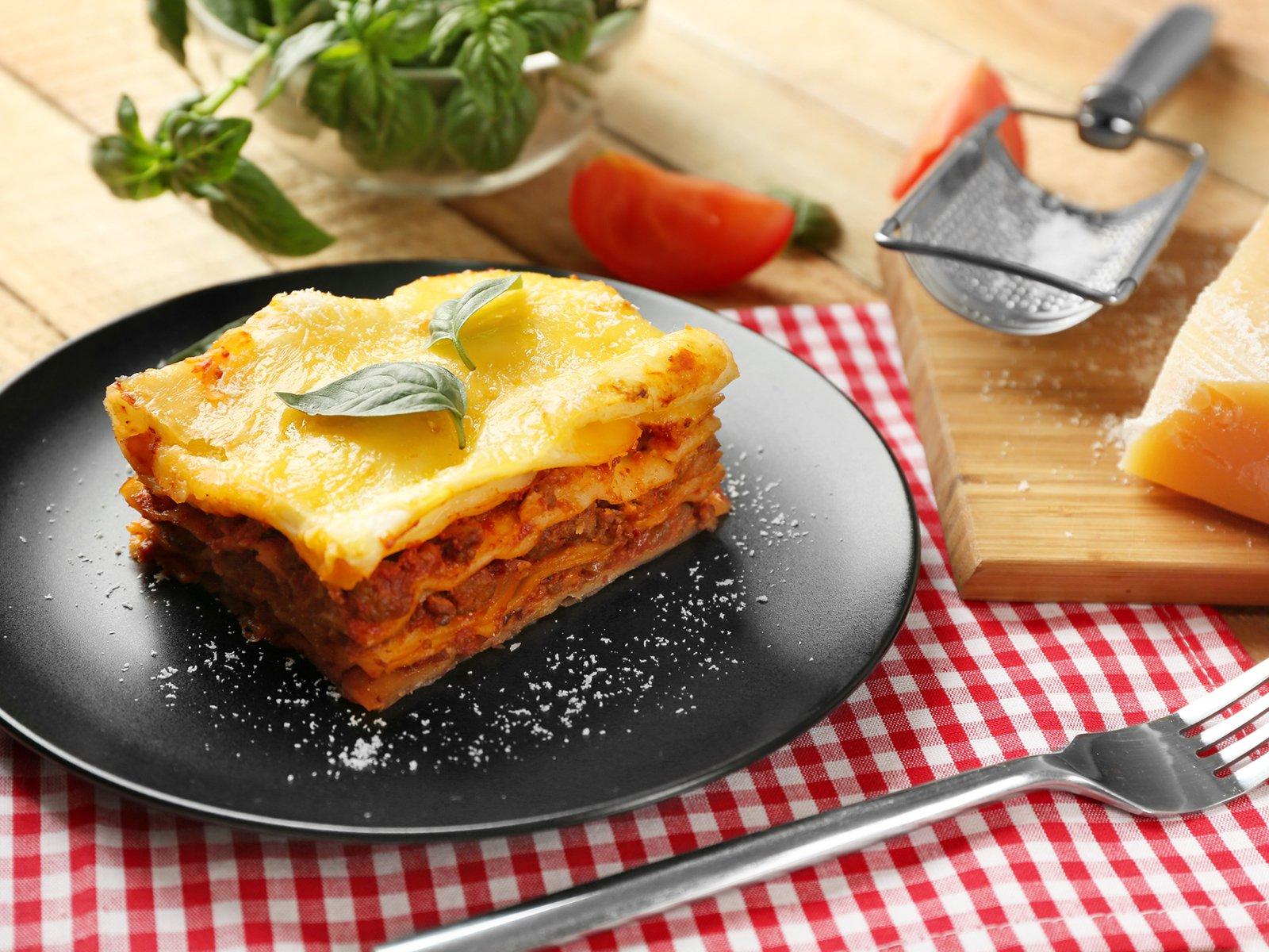 Lasagne Mit Bechamelsauce in Lasagne Mit Hackfleisch Und Bechamelsauce