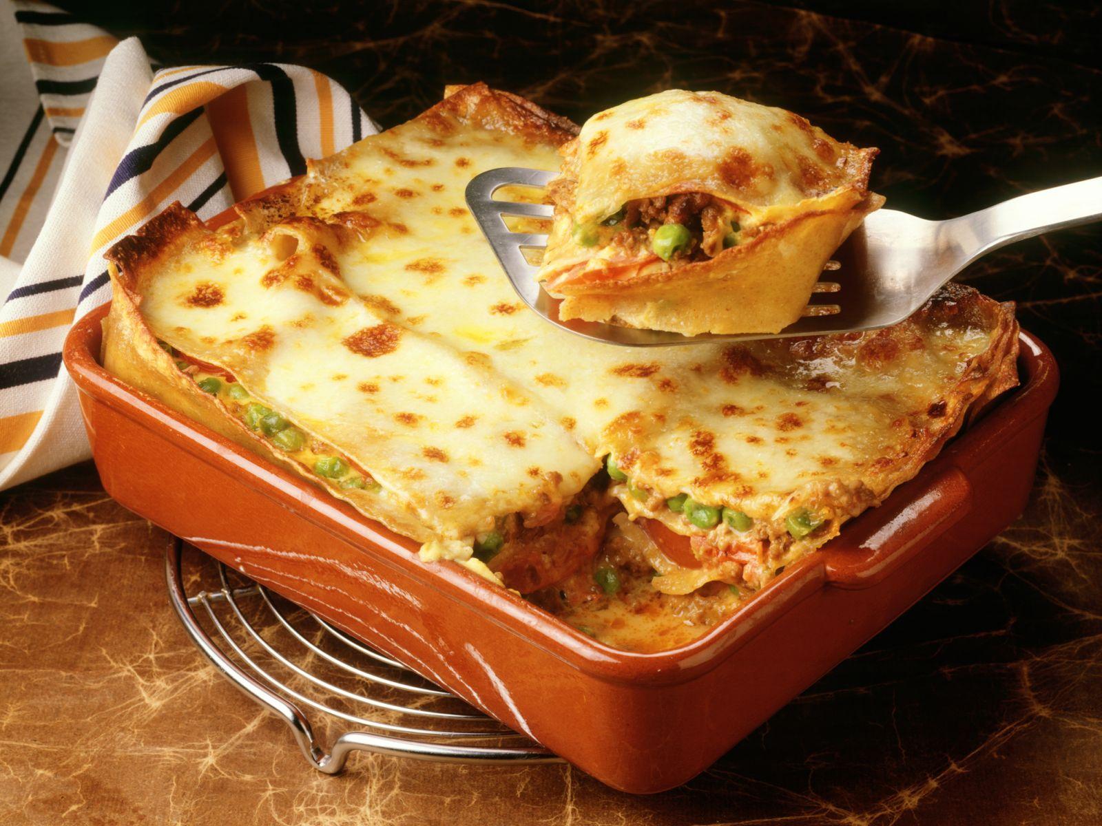 Lasagne Mit Hackfleisch Und Erbsen für Lasagne Mit Hackfleisch Und Bechamelsauce