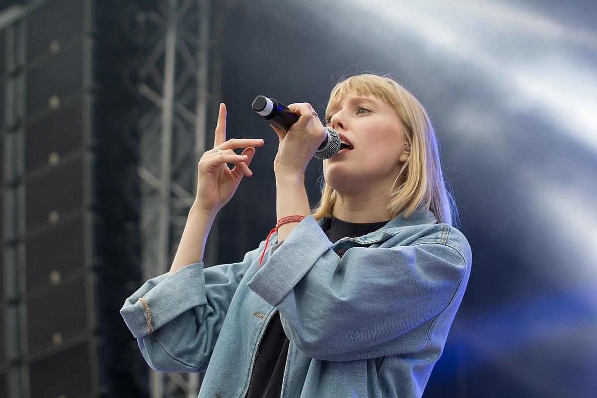 Lea (Musikerin) – Wikipedia bestimmt für Alle Meine Freunde Sagen Dass Ich Leiser Bin