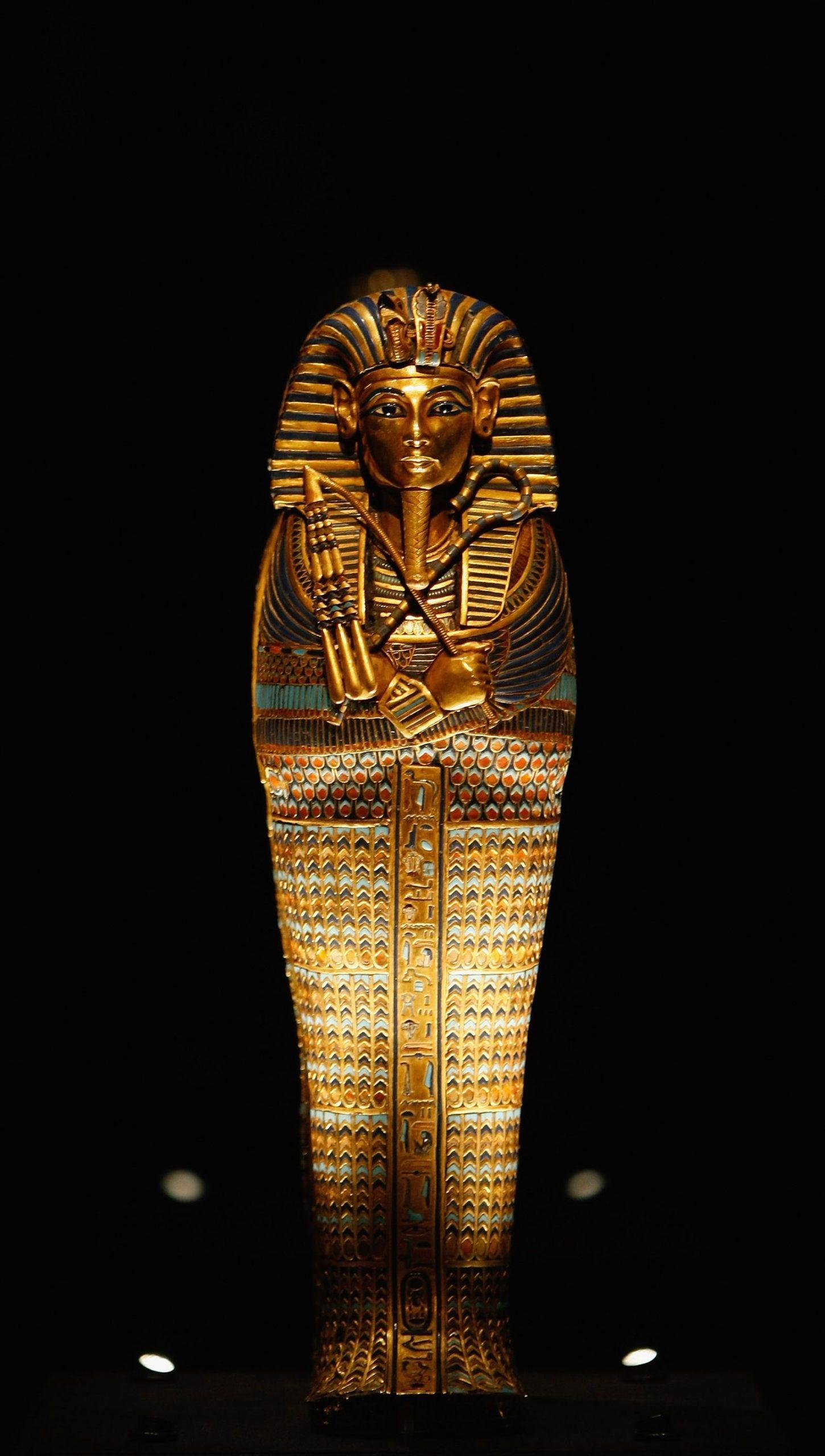 Legendärer Pharao: Forscher Streiten Über Todesursache Von für Pharao Totenmaske