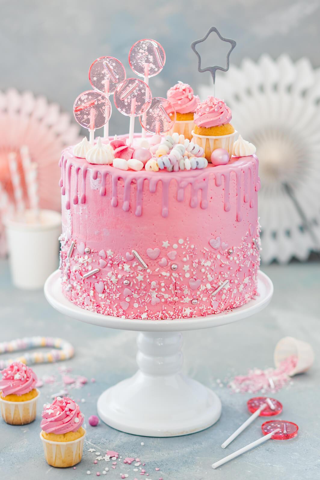 Mädchen-Geburtstagstorte Mit Himbeeren über Bilder Geburtstagstorte