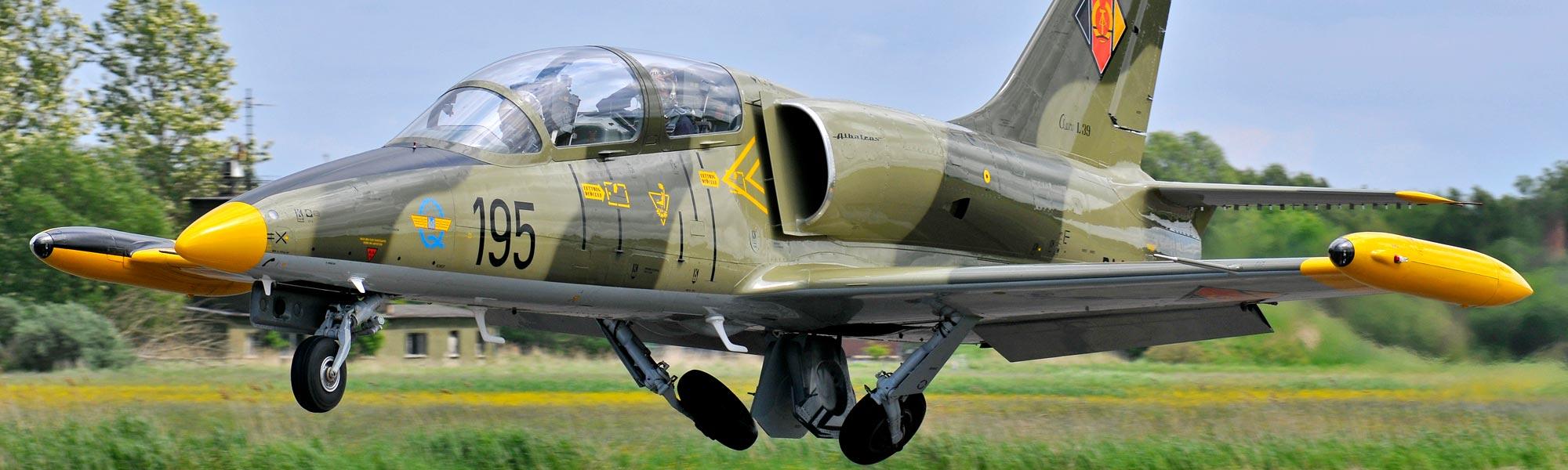 Mitflug In Deutschlands Einzigem Kampfjet Ab Paderborn verwandt mit Düsenjet Fliegen