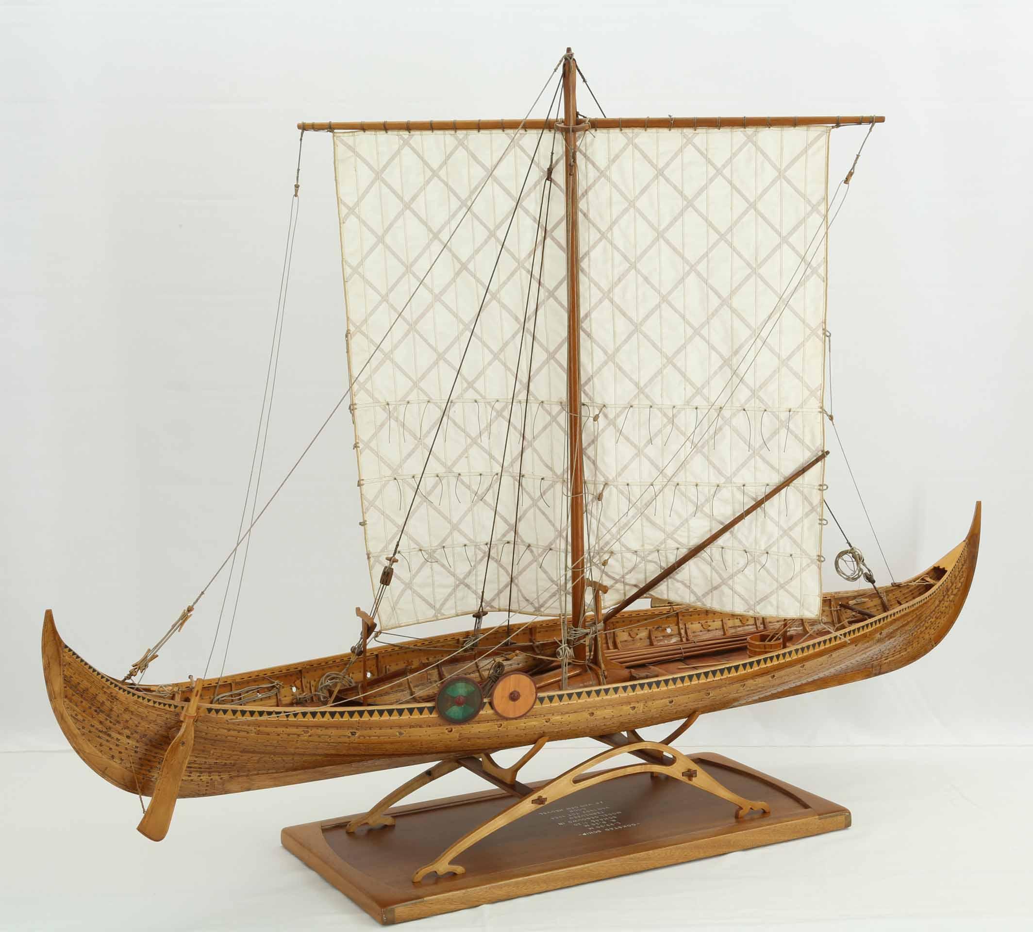 Modell Des Gokstad-Schiffs, Ein Wikingerschiff Aus Dem 9 mit Modell Wikingerschiff