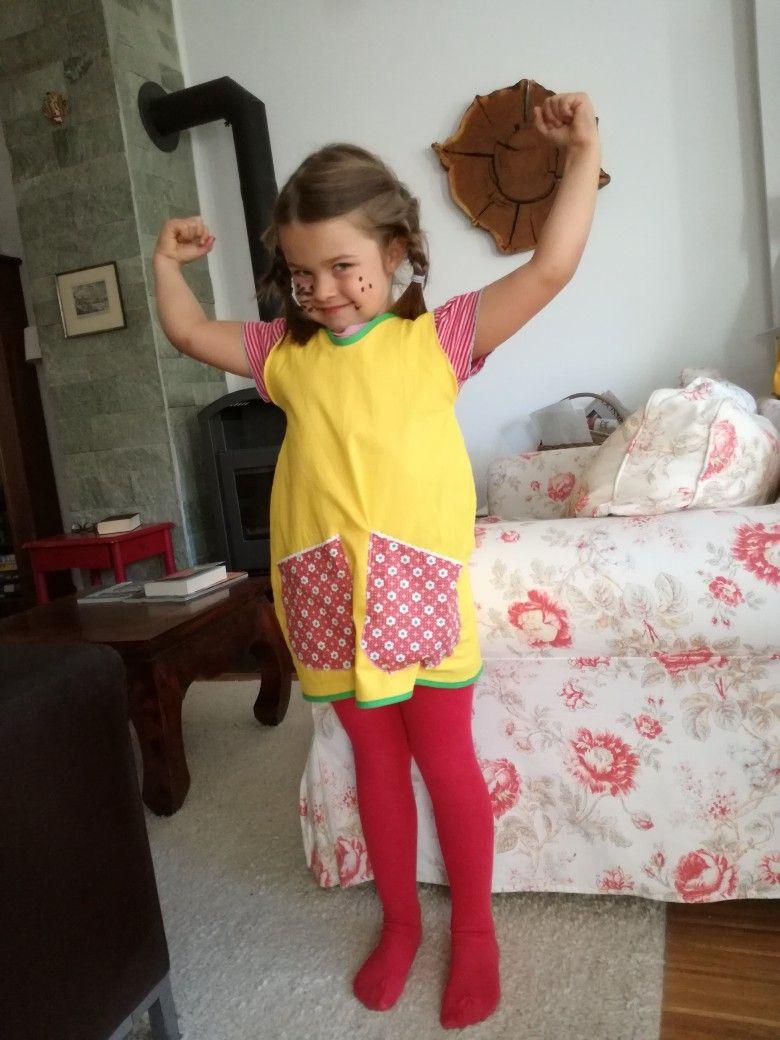 Pippi Langstrumpf Kostüm Selbst Genäht. Einfach Einen Gelben mit Pippi Langstrumpf Kostüm Selber Nähen
