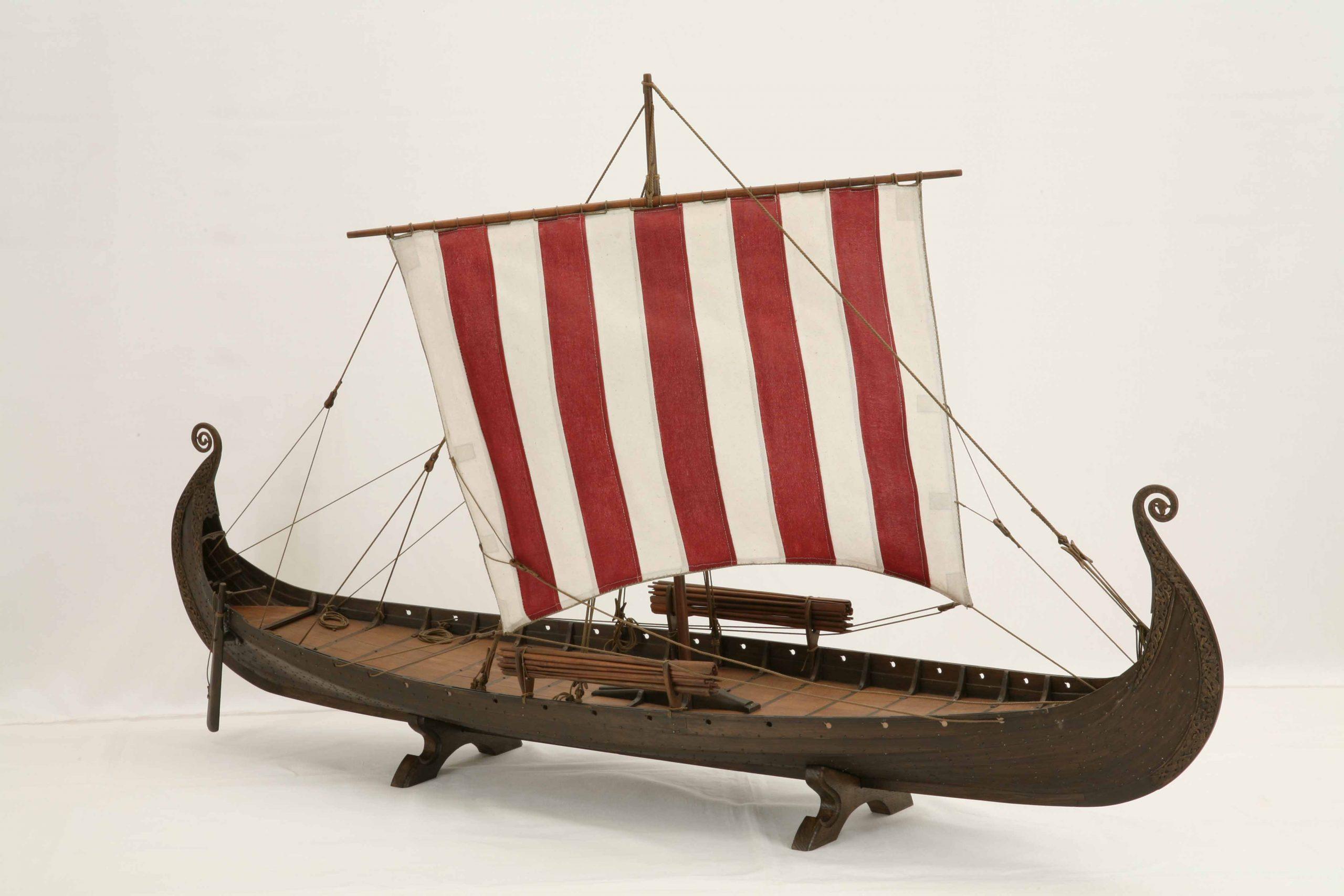 Schiffsmodell Oseberg-Schiff, Ein Wikingerschiff Aus Dem über Modell Wikingerschiff