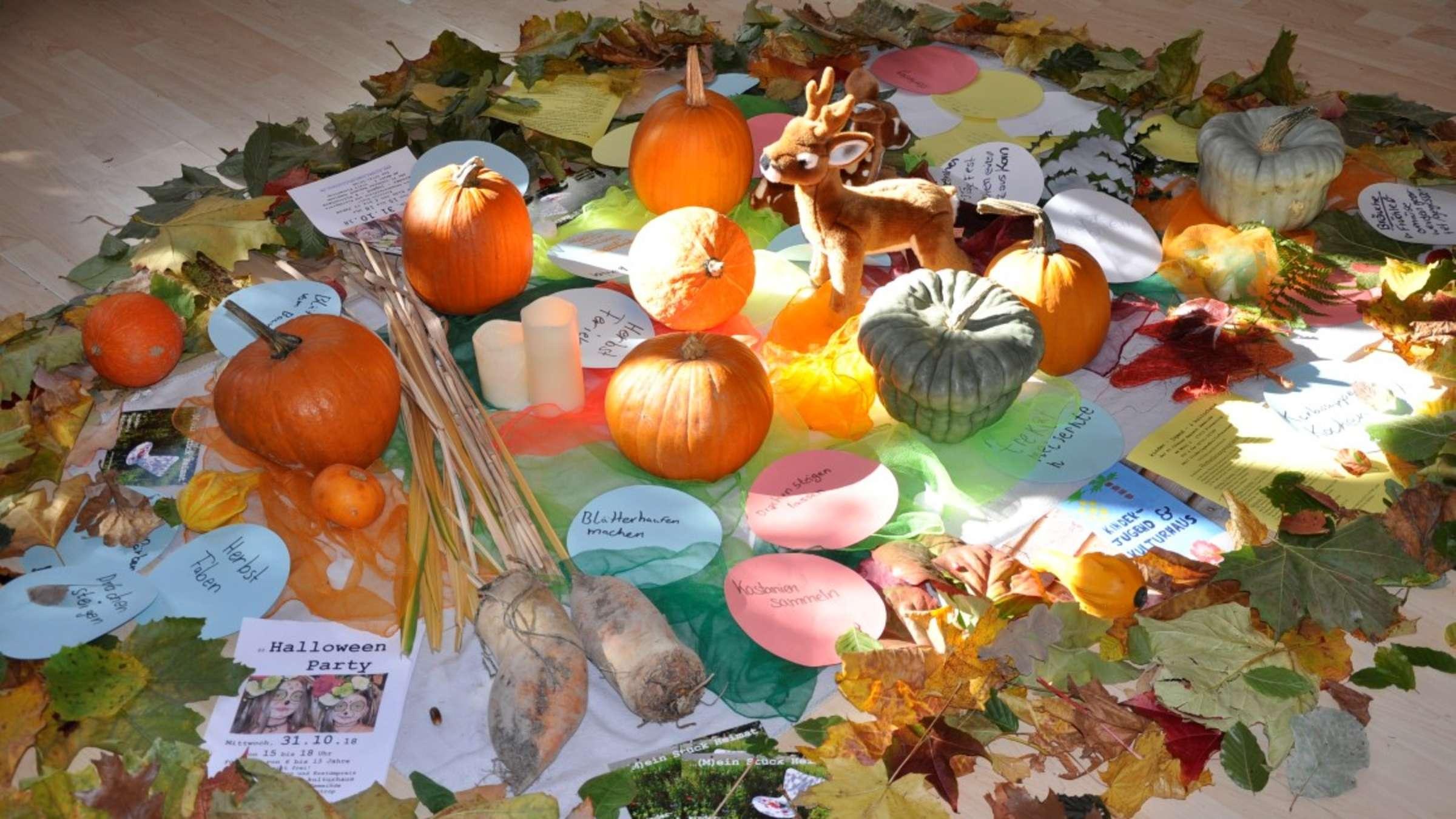 Spiel Und Spaß Im Kjk-Haus Bei Knallbuntem Ferienprogramm mit Herbstbilder Lustig