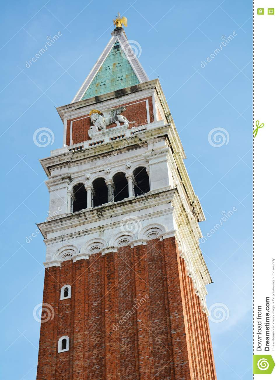 St Mark U. X27; S-Quadrat Und Der Berühmte Turm, Venedig ganzes Berühmte Türme