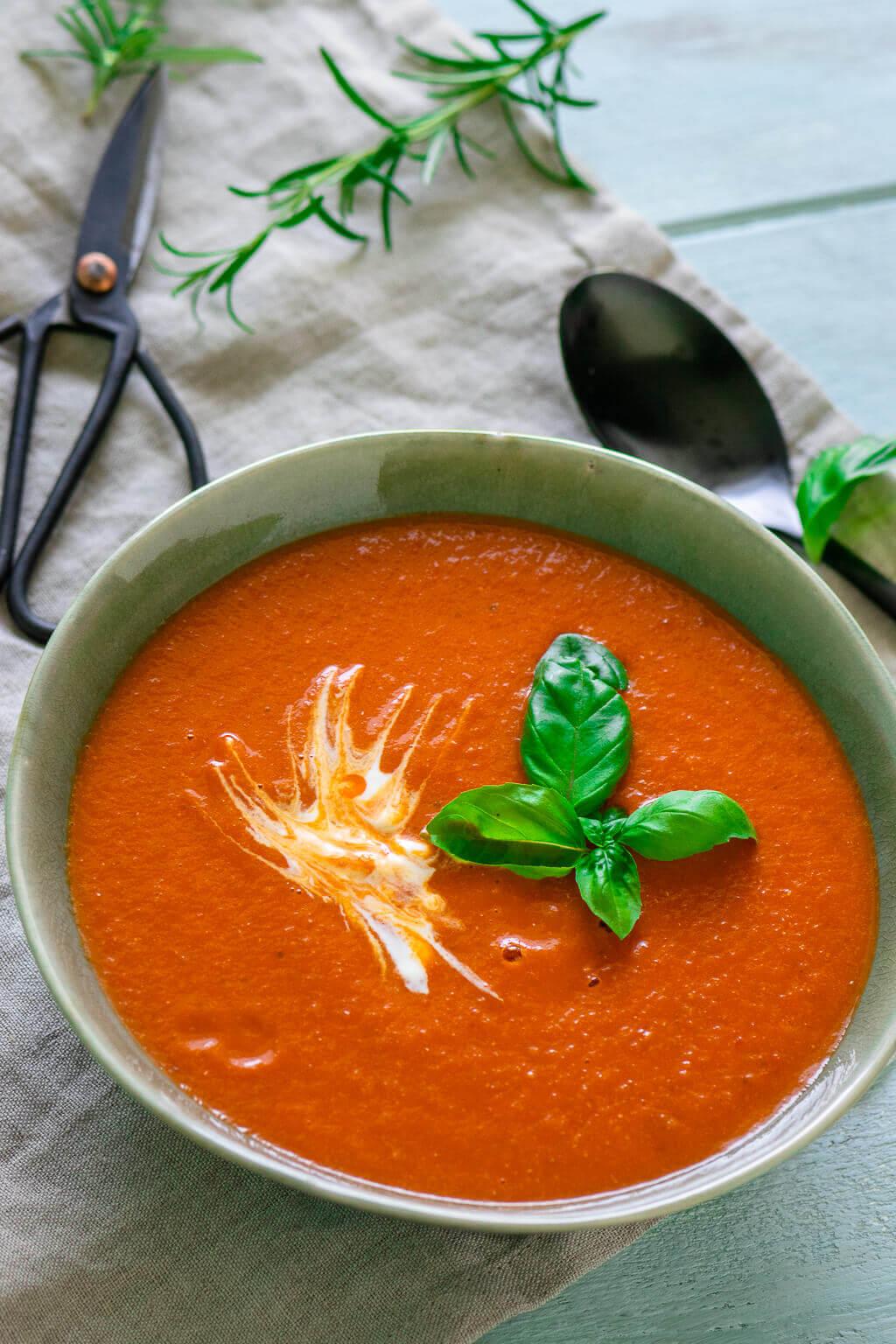Super Einfach & Aromatisch - Tomatensuppe Mit Gerösteten bei Tomatensuppe Selber Machen Mit Frischen Tomaten