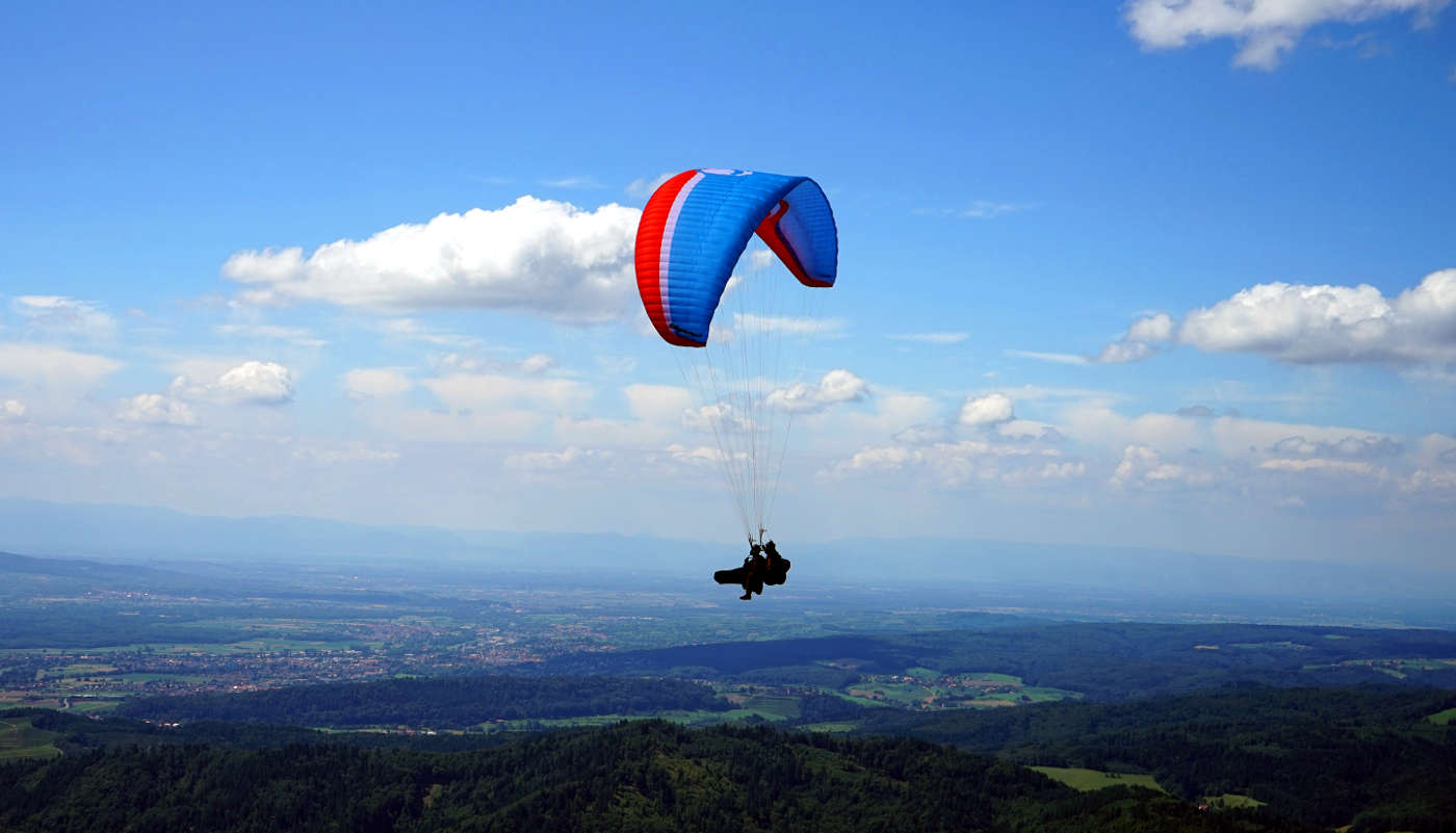 Tandemfliegen Mit Dem Paraglider Im Schwarzwald mit Gleitschirmfliegen Schwarzwald