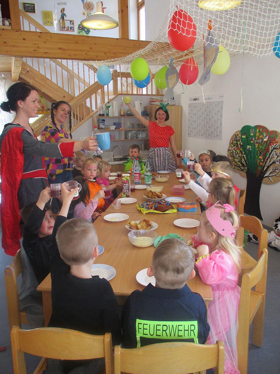Thema: Burgen Und Schlösser - Kindergarten Im Brombachtal bestimmt für Projekt Ritter Und Burgen Im Kindergarten