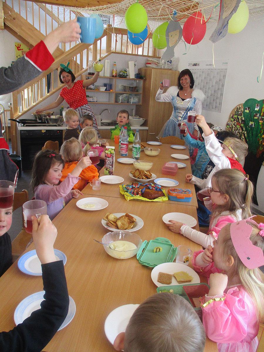 Thema: Burgen Und Schlösser - Kindergarten Im Brombachtal verwandt mit Projekt Ritter Und Burgen Im Kindergarten
