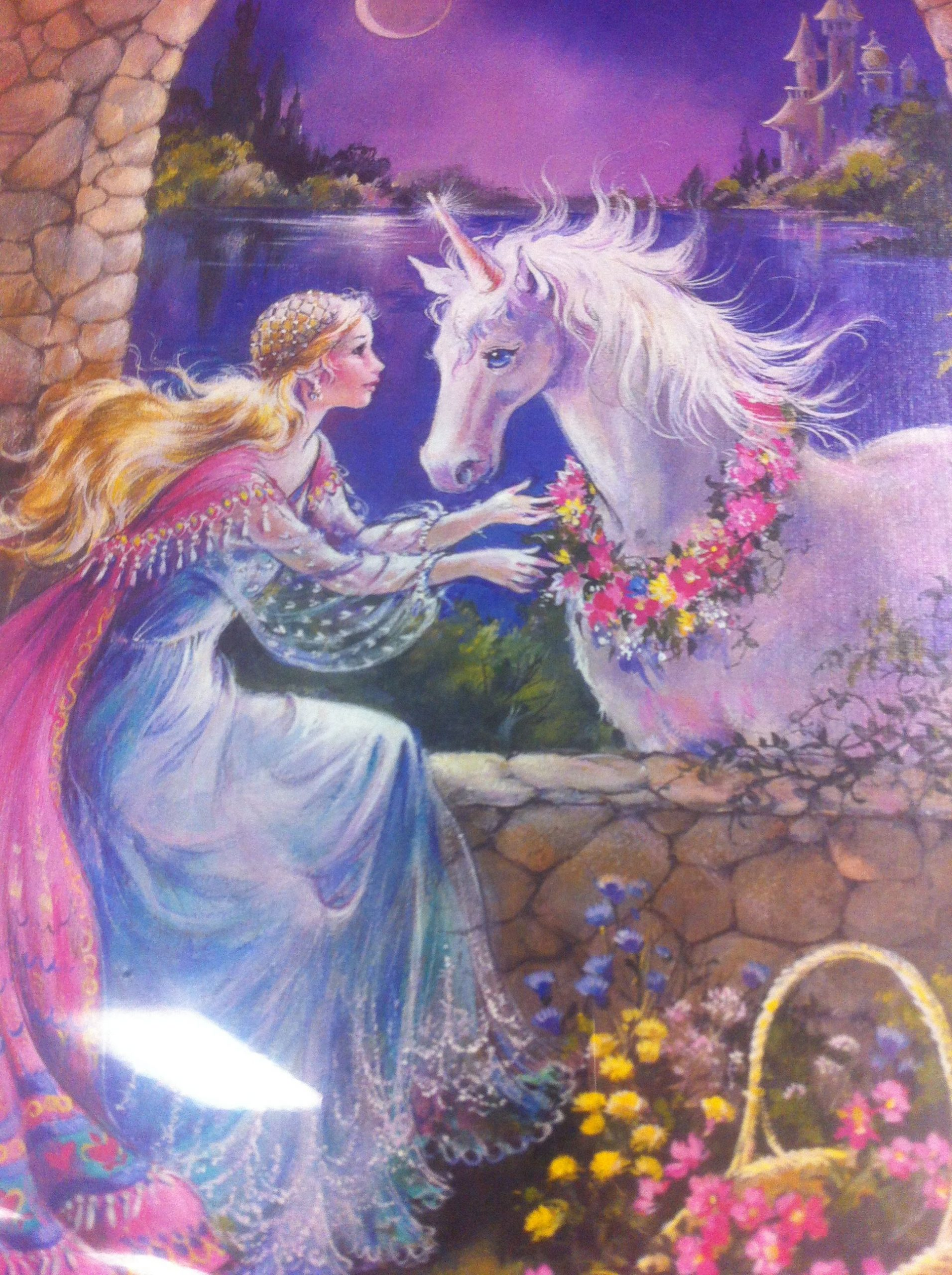 Unicorn And Maiden At Stone Archway Under Moon. | Fantasie bei Elfen Und Einhörner