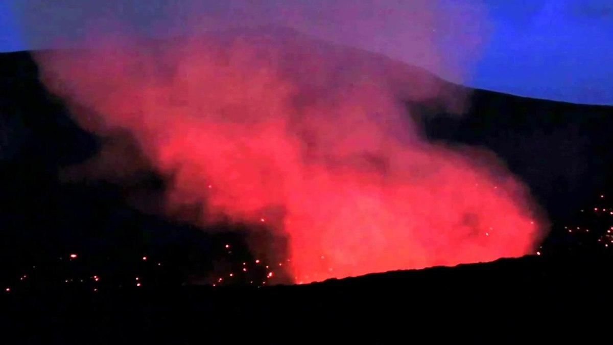 Vulkanausbruch – Wikipedia bei Was Passiert Bei Einem Vulkanausbruch