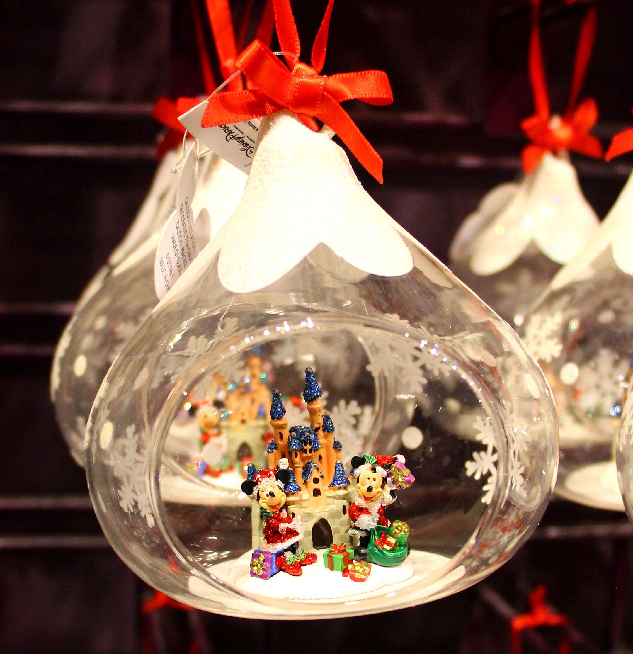 Weihnachtskugeln Comic - Baumkugeln Mit Beliebten Comicfiguren ganzes Weihnachtskugeln Comic