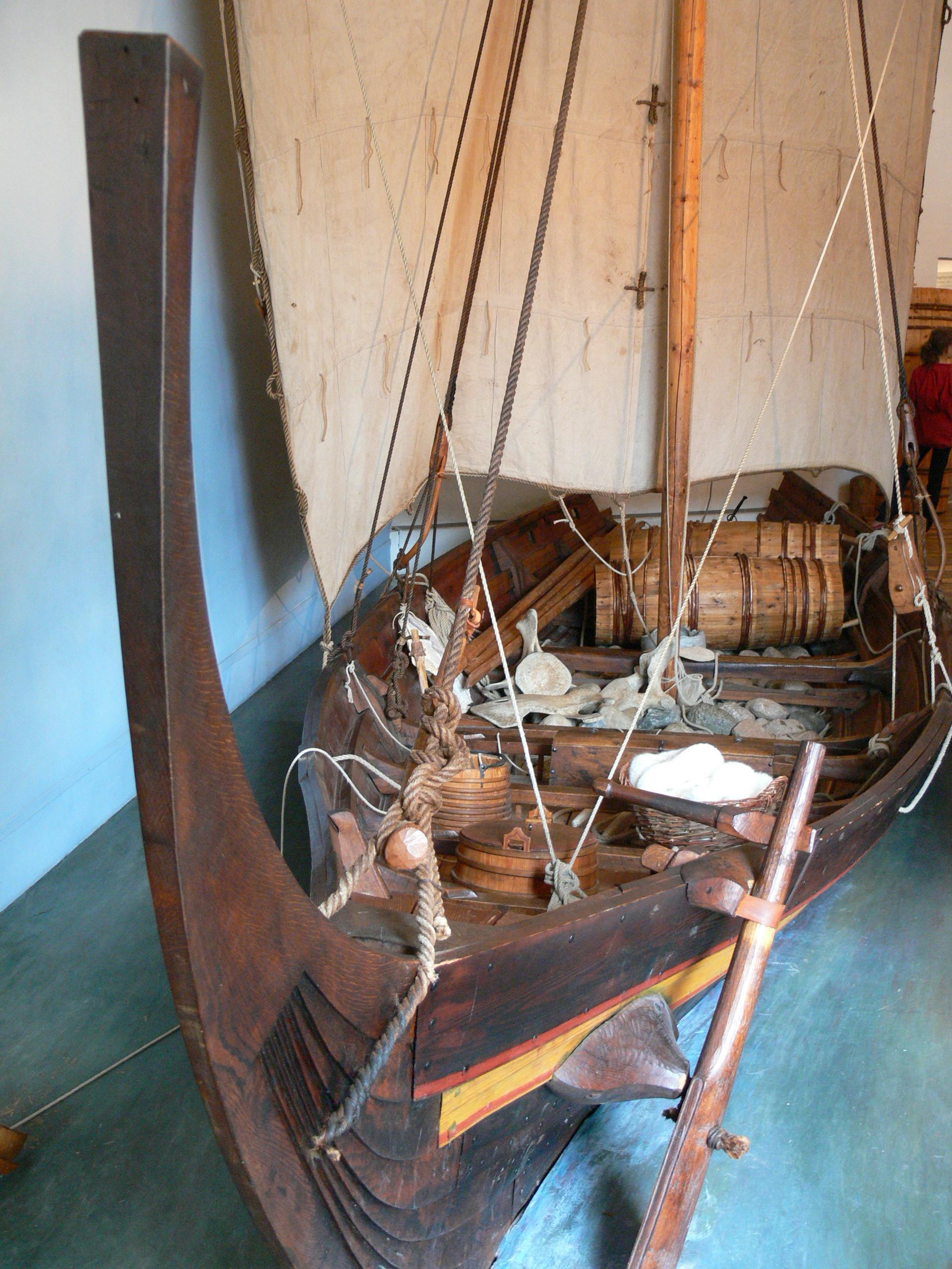 Wikingerschiff - Wikiwand über Modell Wikingerschiff