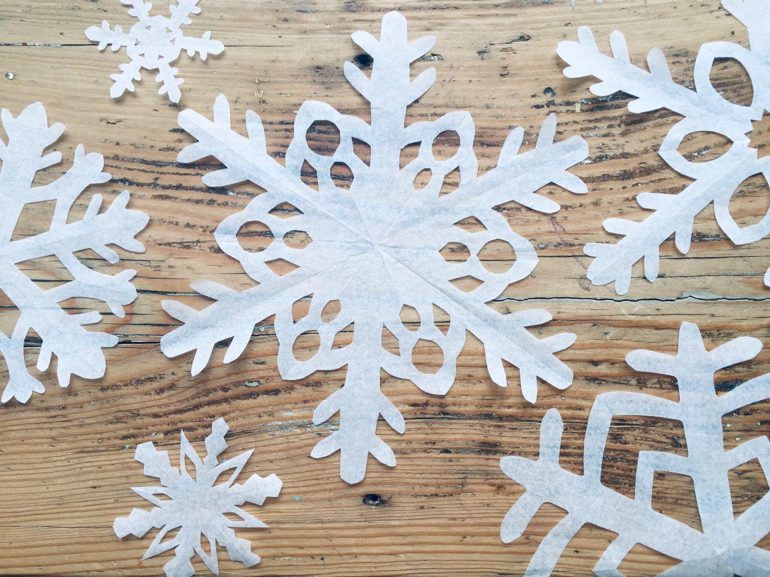 Winterkind // Schneesterne Schneiden // Diy - Lieblingsbande mit Schneesterne Schneiden